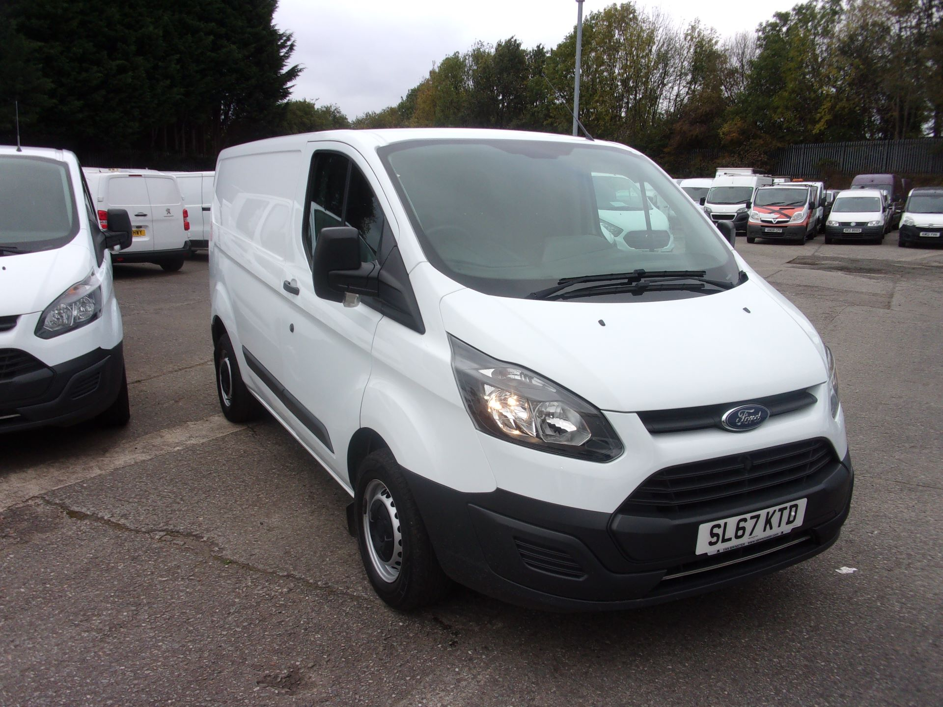 2017 Ford Transit Custom 270 L1 DIESEL FWD 2.0 TDCI 105PS LOW ROOF VAN EURO 6 (SL67KTD)