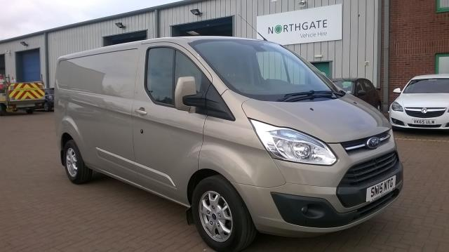 2015 Ford Transit Custom 290 L2 DIESEL FWD 2.2 TDCI 125PS LOW ROOF LIMITED VAN EURO 5 (SN15NTG) Image 1