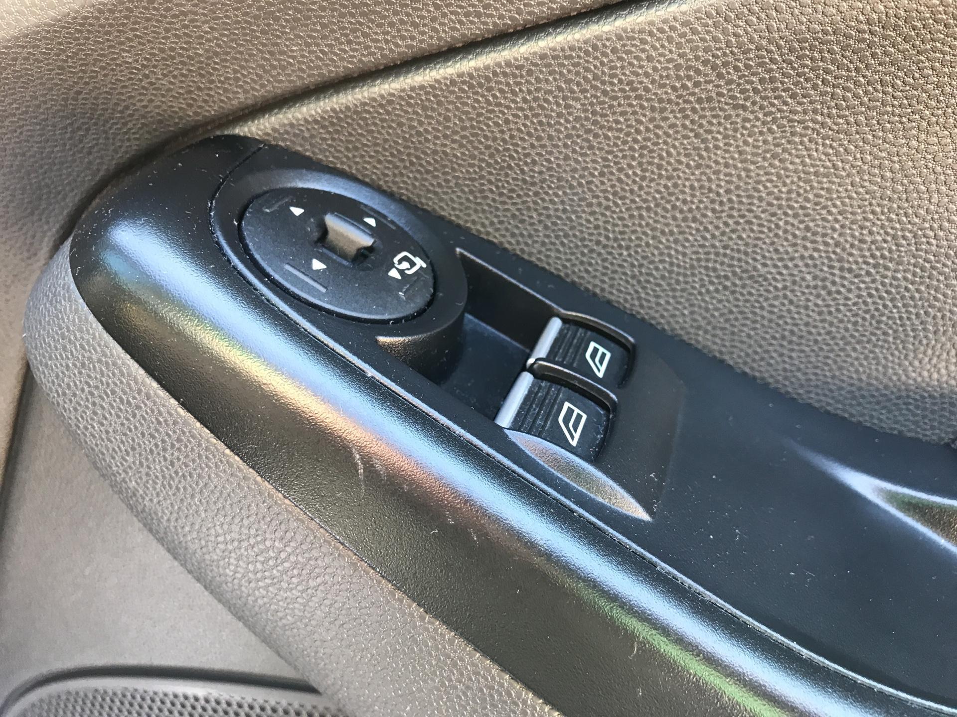 2017 Ford Fiesta DIESEL 1.5 TDCI SPORT VAN EURO 6 (SN17YZK) Image 18