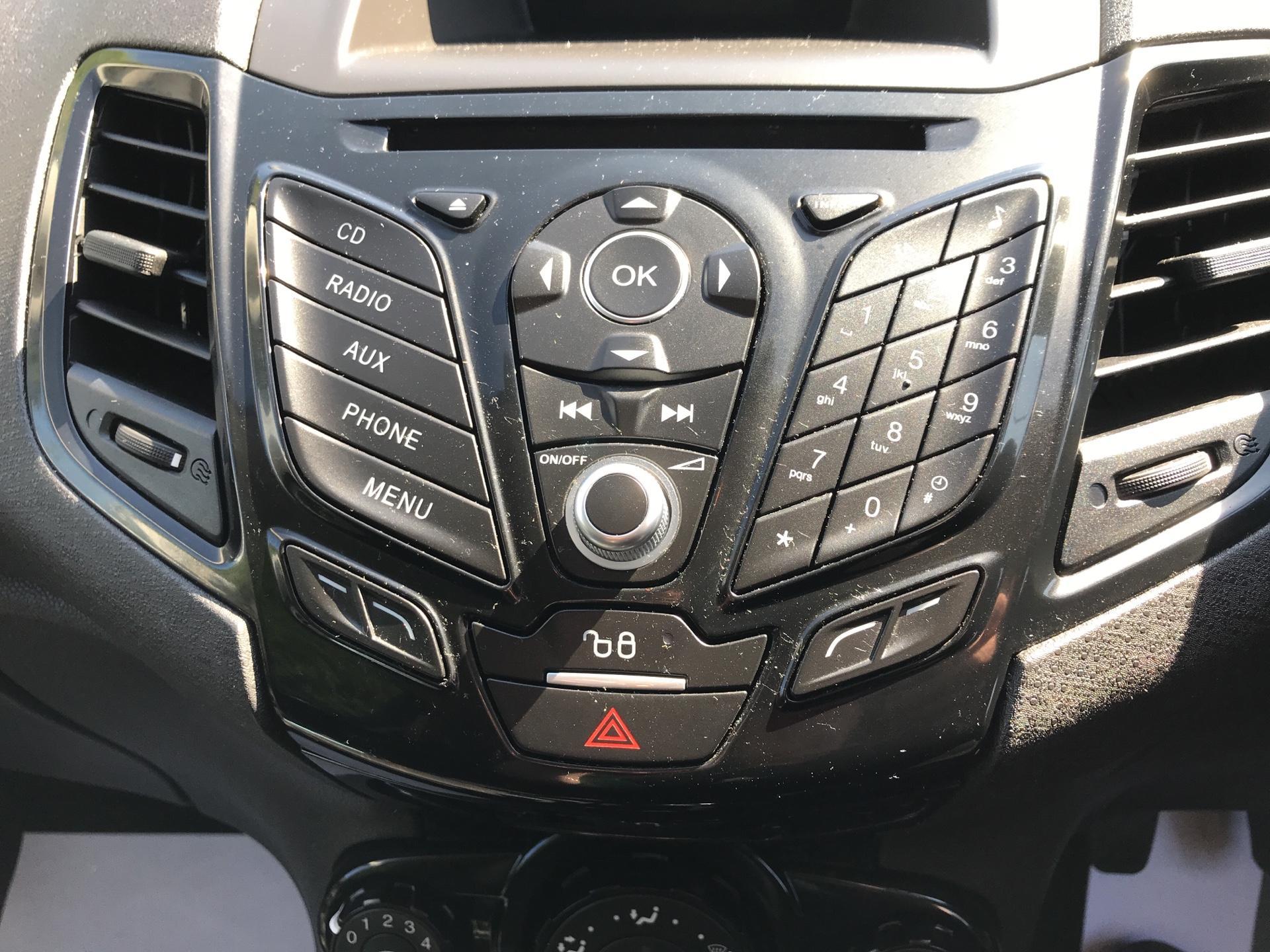 2017 Ford Fiesta DIESEL 1.5 TDCI SPORT VAN EURO 6 (SN17YZK) Image 10