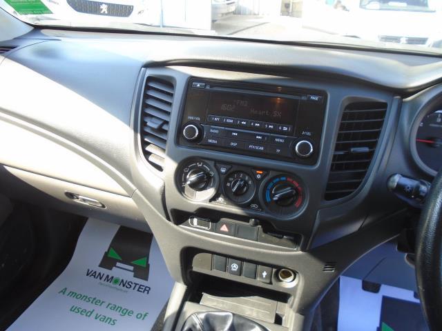 2017 Fiat Fullback 2.4 150HP SX DOUBLE CAB PICK UP (SP67LVN) Image 18