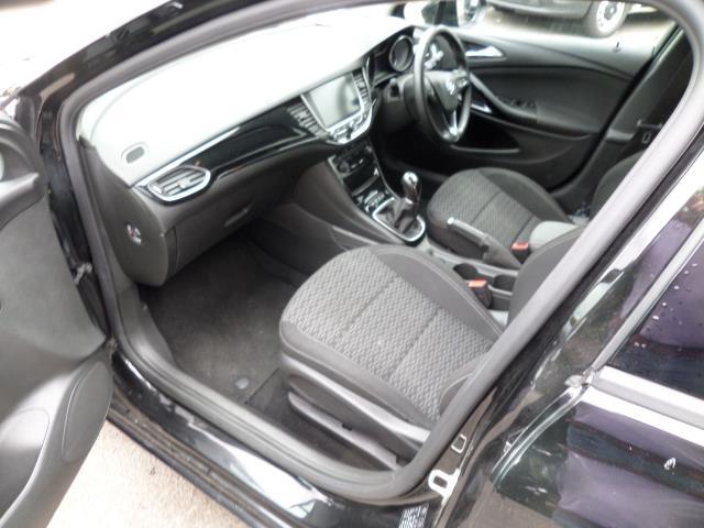 2018 Vauxhall Astra 1.6 Cdti 16V Ecoflex Sri Nav 5Dr (VE18TSV) Image 8