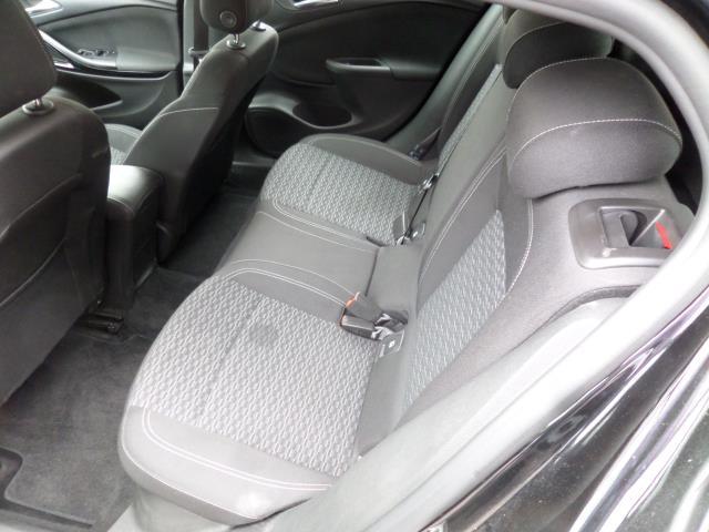 2018 Vauxhall Astra 1.6 Cdti 16V Ecoflex Sri Nav 5Dr (VE18TSV) Image 7