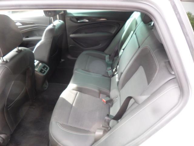2018 Vauxhall Insignia 2.0 Turbo D Sri Nav 5Dr Estate Euro 6 (VE18TVJ) Image 7
