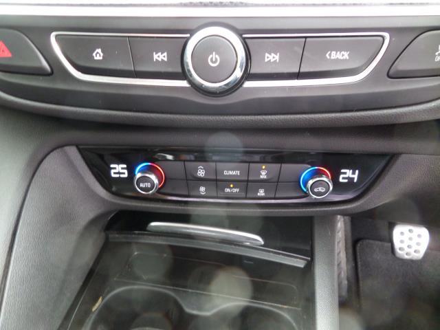 2018 Vauxhall Insignia 2.0 Turbo D Sri Nav 5Dr Estate Euro 6 (VE18TVJ) Image 14