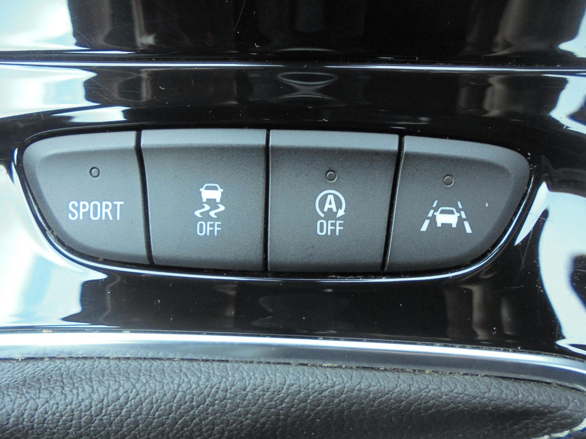 2018 Vauxhall Astra 1.6 Cdti 16V Ecoflex Sri Nav 5Dr (VE18TXA) Image 19