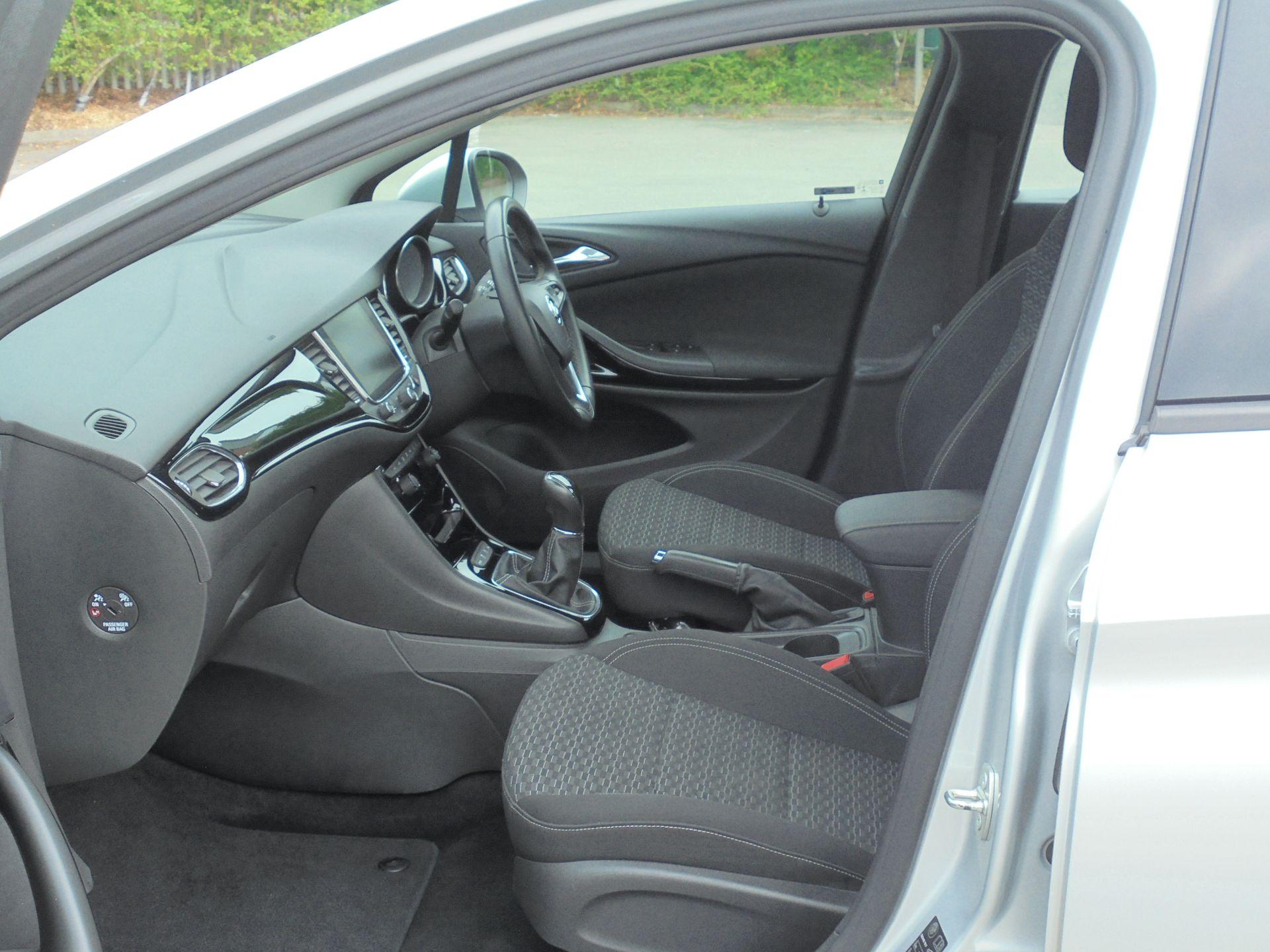 2018 Vauxhall Astra 1.6 Cdti 16V Ecoflex Sri Nav 5Dr (VE18TXA) Image 5