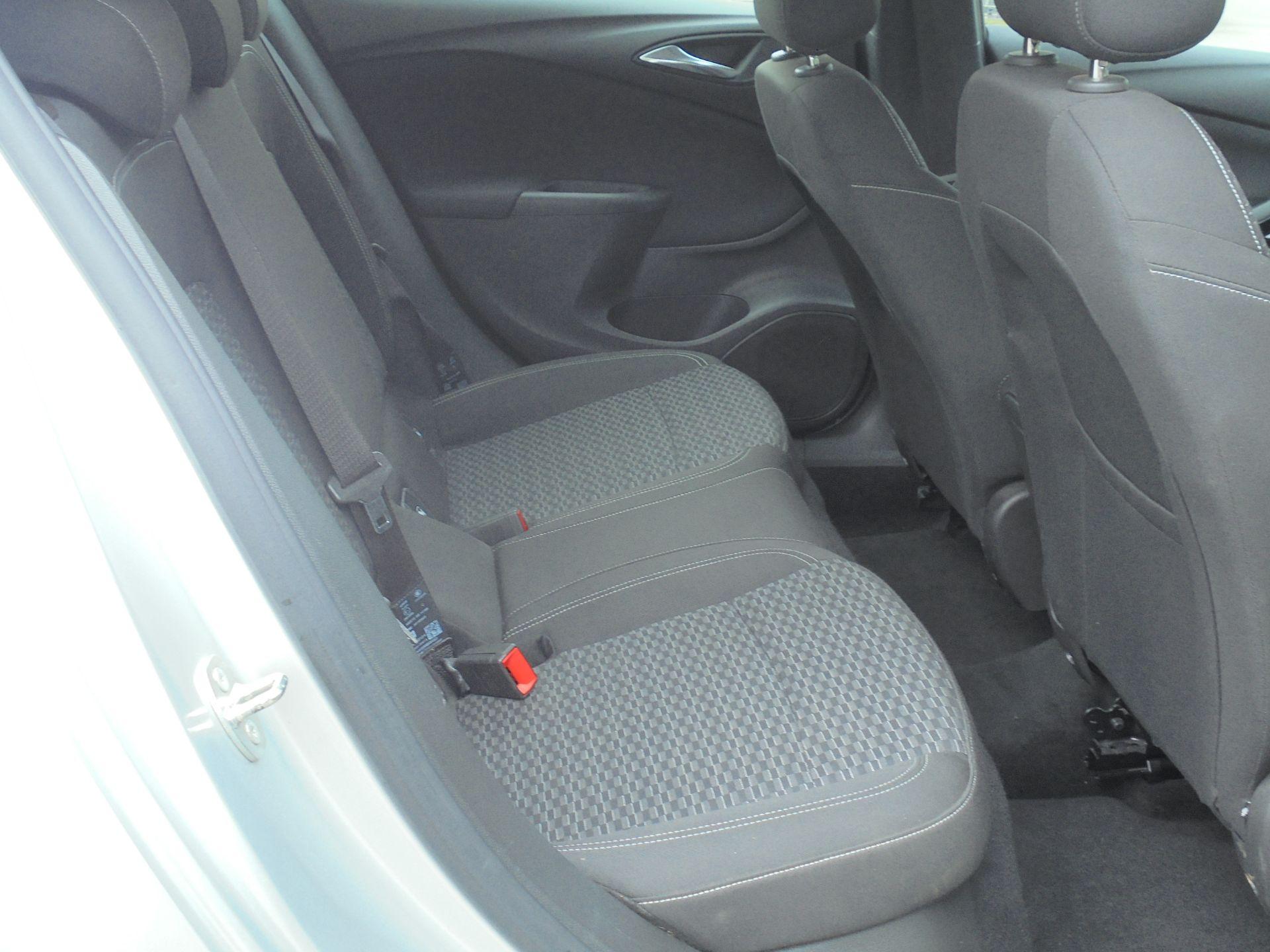 2018 Vauxhall Astra 1.6 Cdti 16V Ecoflex Sri Nav 5Dr (VE18TXA) Image 11