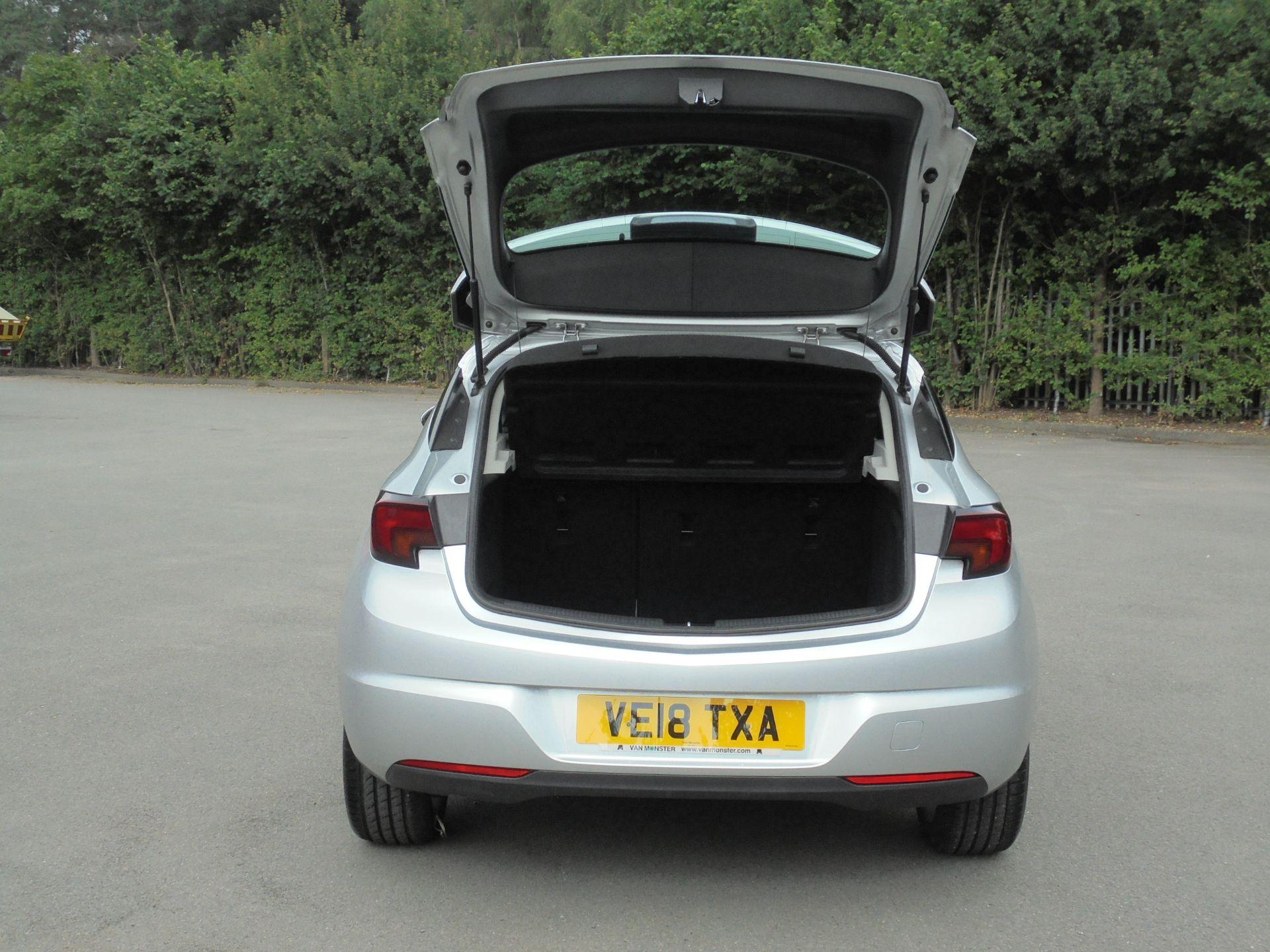 2018 Vauxhall Astra 1.6 Cdti 16V Ecoflex Sri Nav 5Dr (VE18TXA) Image 8