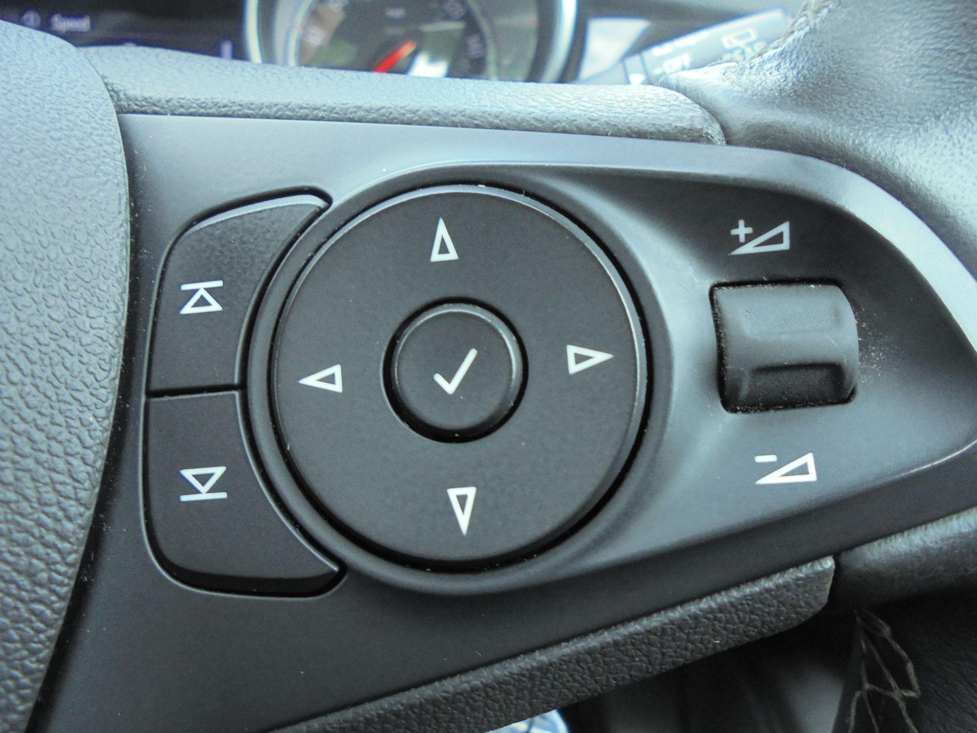 2018 Vauxhall Astra 1.6 Cdti 16V Ecoflex Sri Nav 5Dr (VE18TXA) Image 17