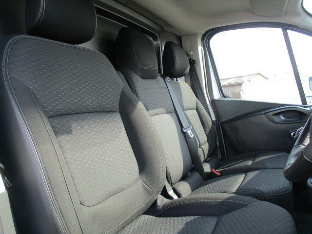 2018 Vauxhall Vivaro L1 H1 2900 1.6 120PS SPORTIVE EURO 6. AIR CON. SAT NAV (VN67URW) Image 13