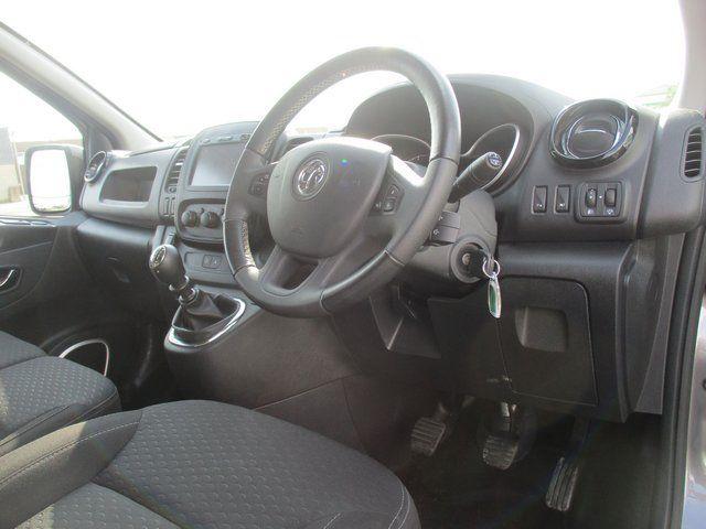 2018 Vauxhall Vivaro L1 H1 2900 1.6 120PS SPORTIVE EURO 6. AIR CON. SAT NAV (VN67URW) Image 14