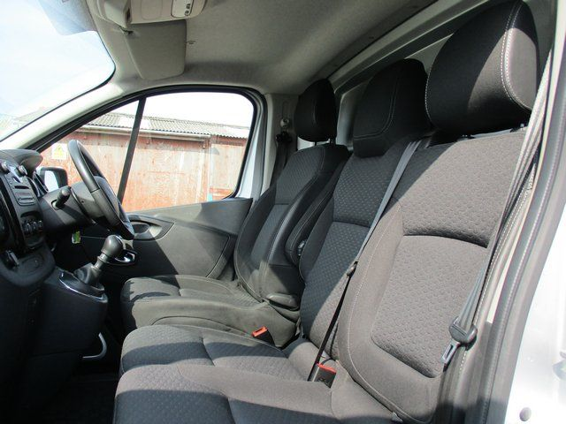 2018 Vauxhall Vivaro L2 H1 2900 1.6CDTI 120PS SPORTIVE EURO 6. AIR CON (VN67UVV) Image 12