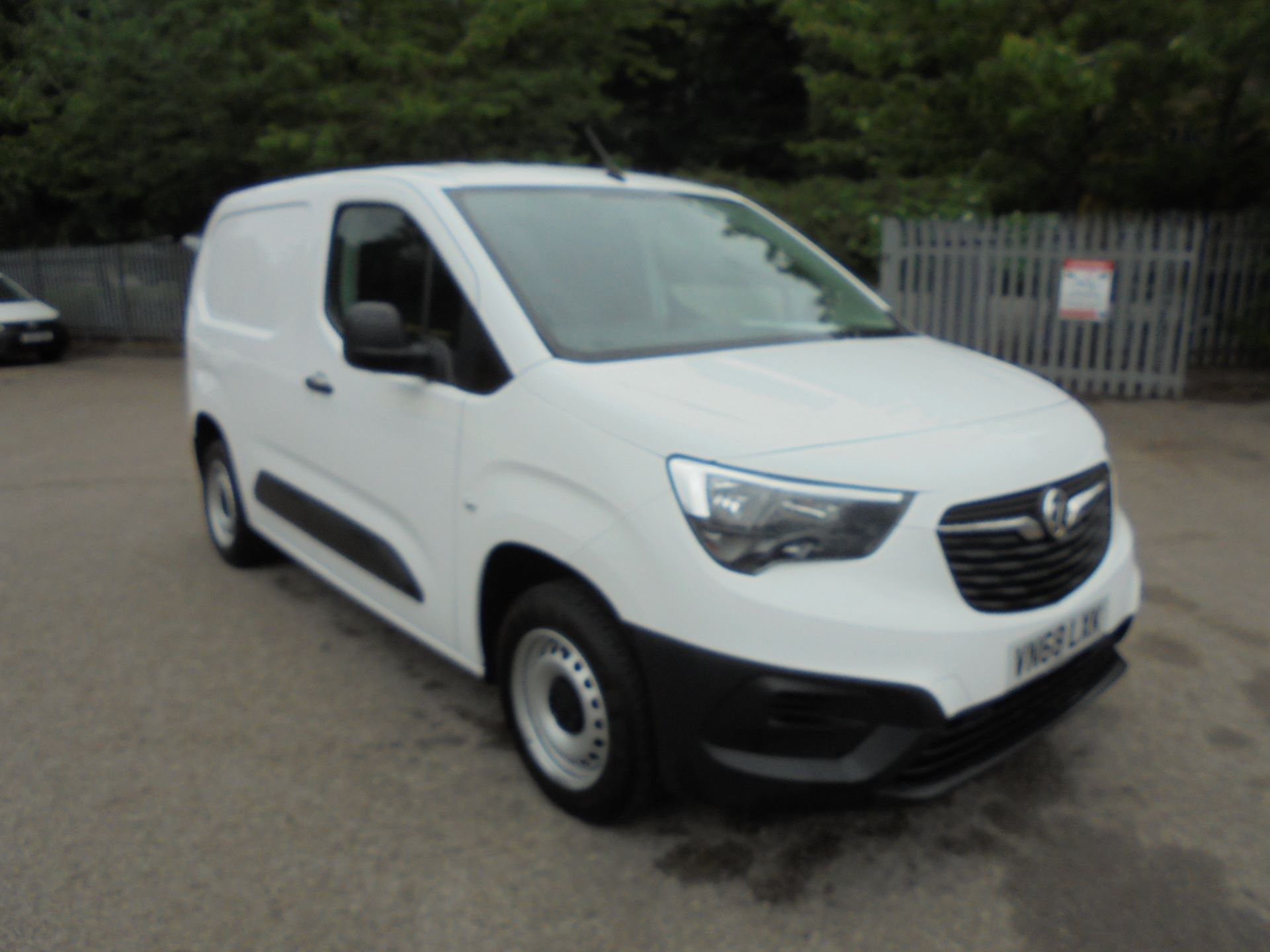 2019 Vauxhall Combo Cargo 2000 1.6 Turbo D 100Ps H1 Edition Van EURO 6 S/S (VN68LXK)