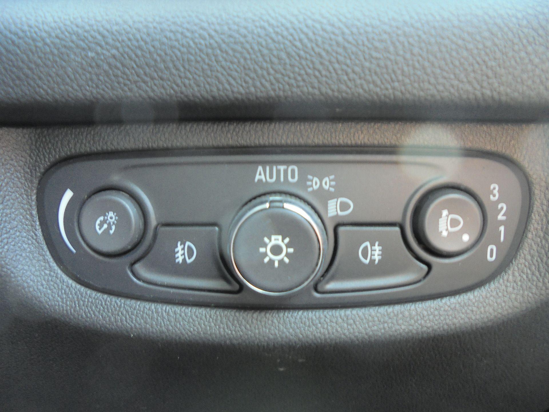 2018 Vauxhall Insignia Grand Sport 1.6 Turbo D Ecotec [136] Sri Nav 5Dr (VU18DFF) Image 16