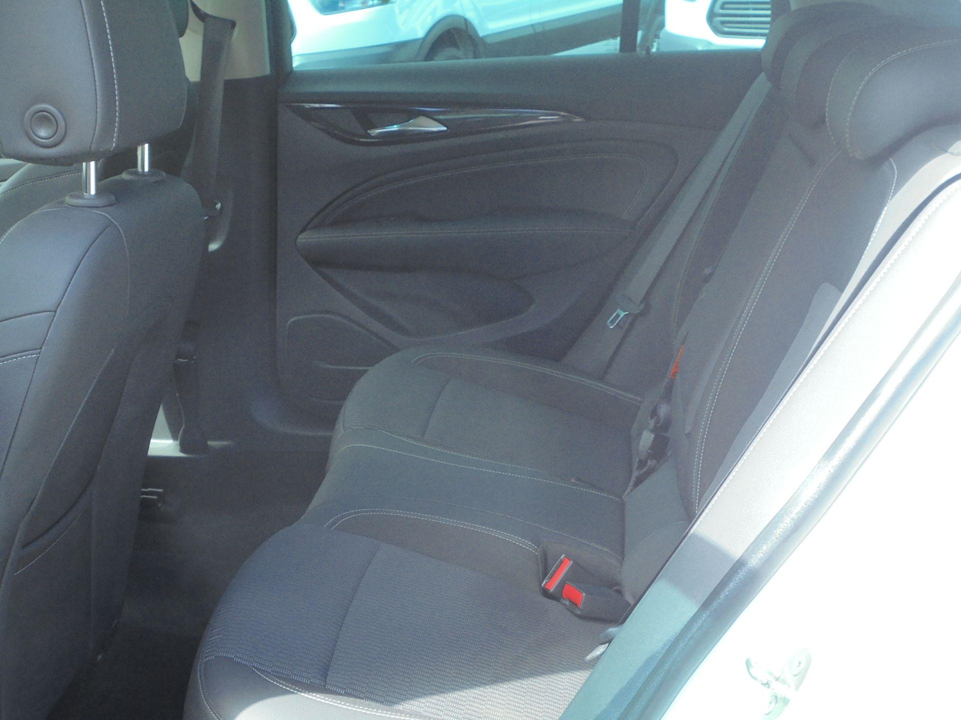2018 Vauxhall Insignia Grand Sport 1.6 Turbo D Ecotec [136] Sri Nav 5Dr (VU18DFF) Image 6