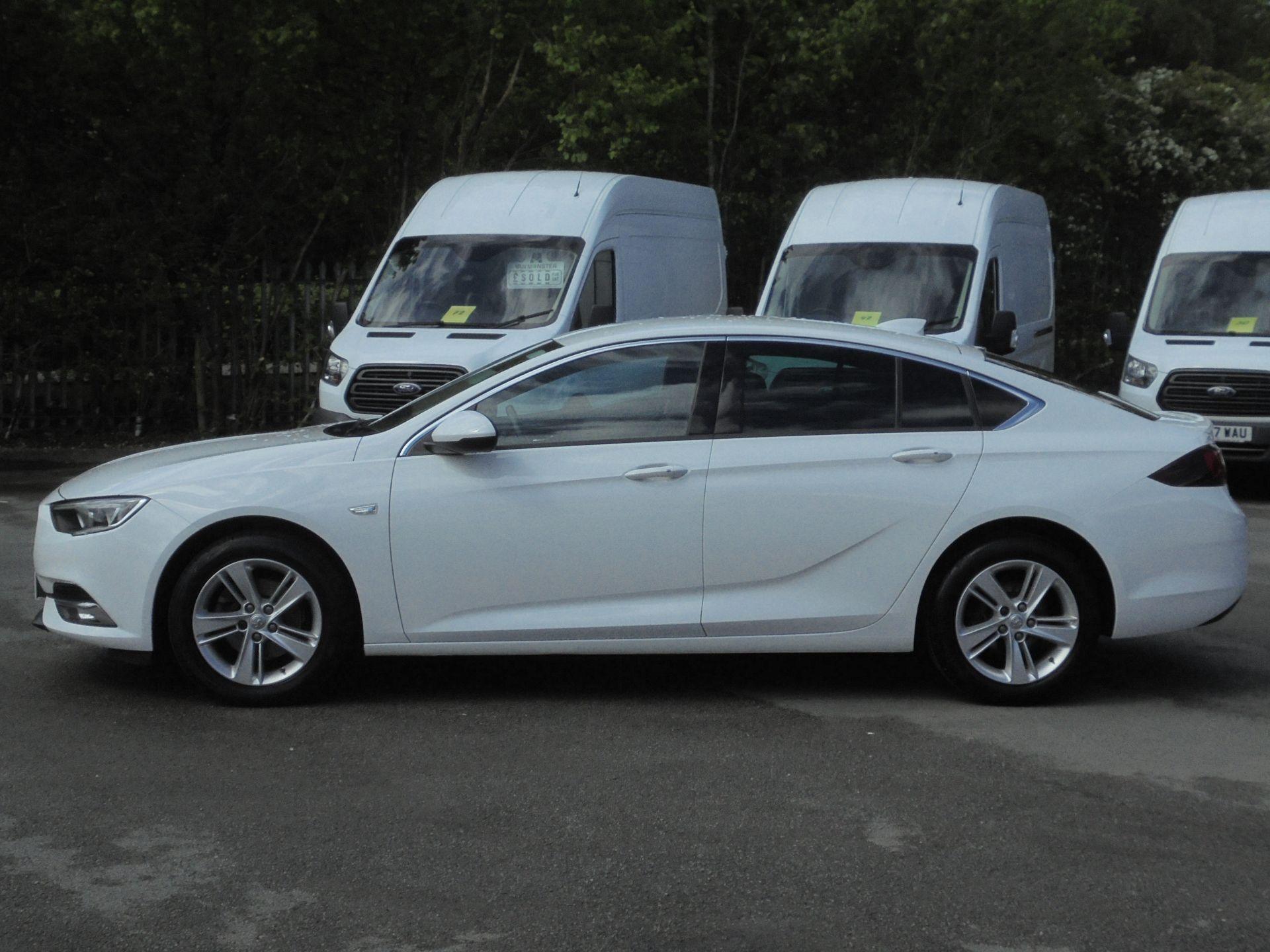 2018 Vauxhall Insignia Grand Sport 1.6 Turbo D Ecotec [136] Sri Nav 5Dr (VU18DFF) Image 4