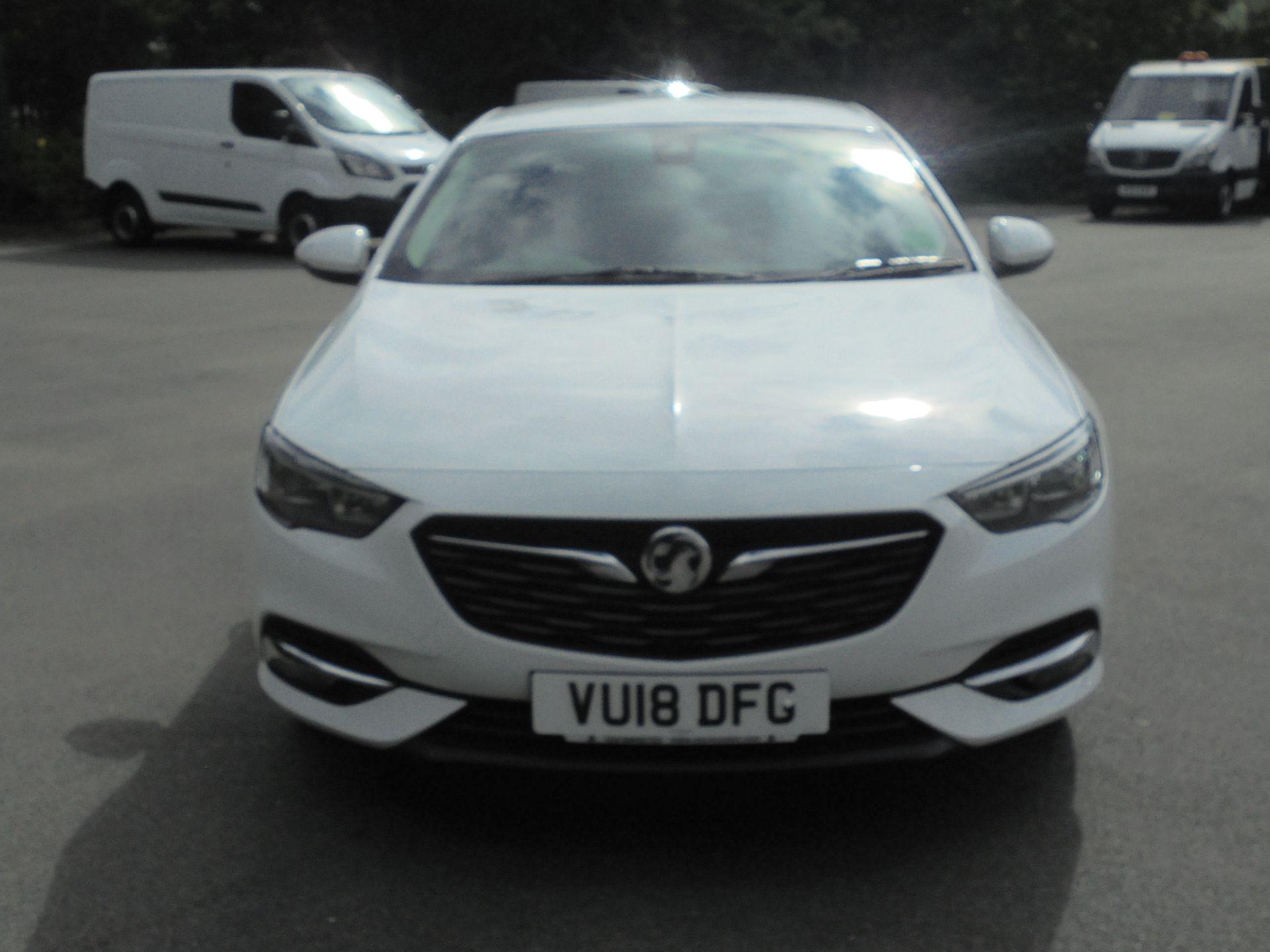 2018 Vauxhall Insignia 1.6 Grand Sport Turbo D Ecotec [136] Sri Nav 5Dr (VU18DFG) Image 3