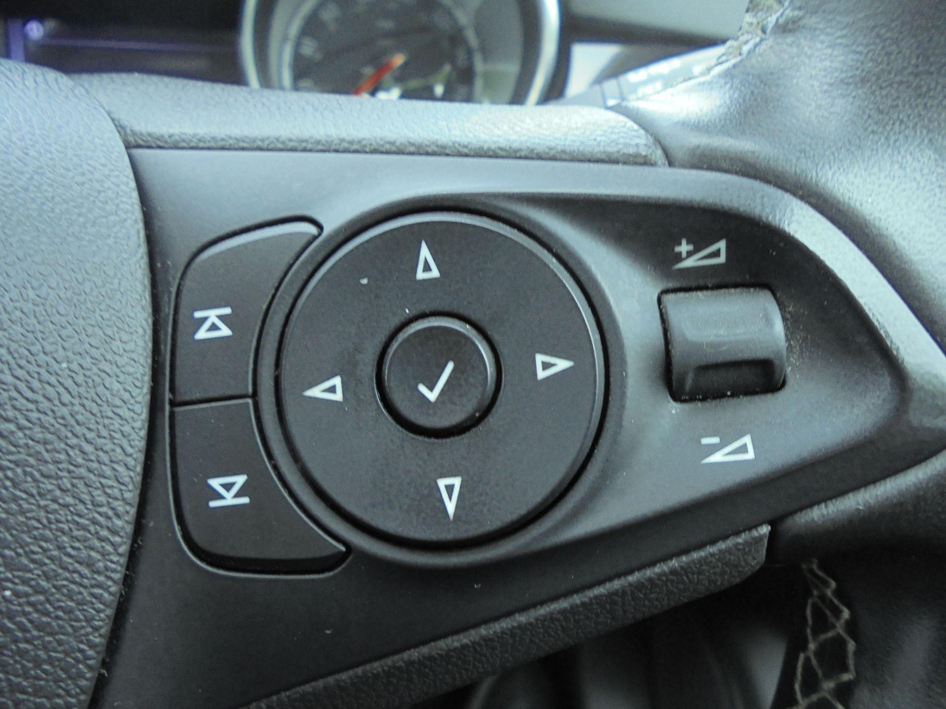 2018 Vauxhall Astra Sports Tourer 1.6 Cdti 16V 136 Sri Nav 5Dr (VU18DFJ) Image 19