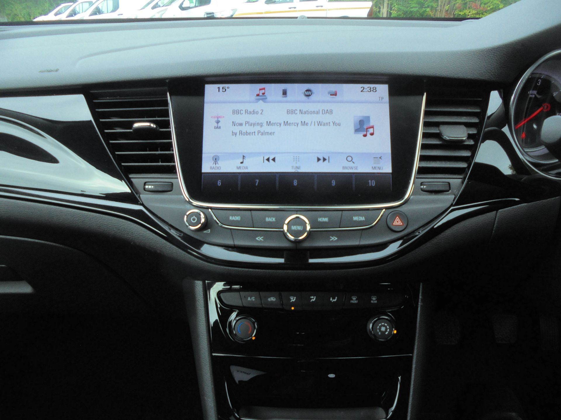 2018 Vauxhall Astra Sports Tourer 1.6 Cdti 16V 136 Sri Nav 5Dr (VU18DFJ) Image 15