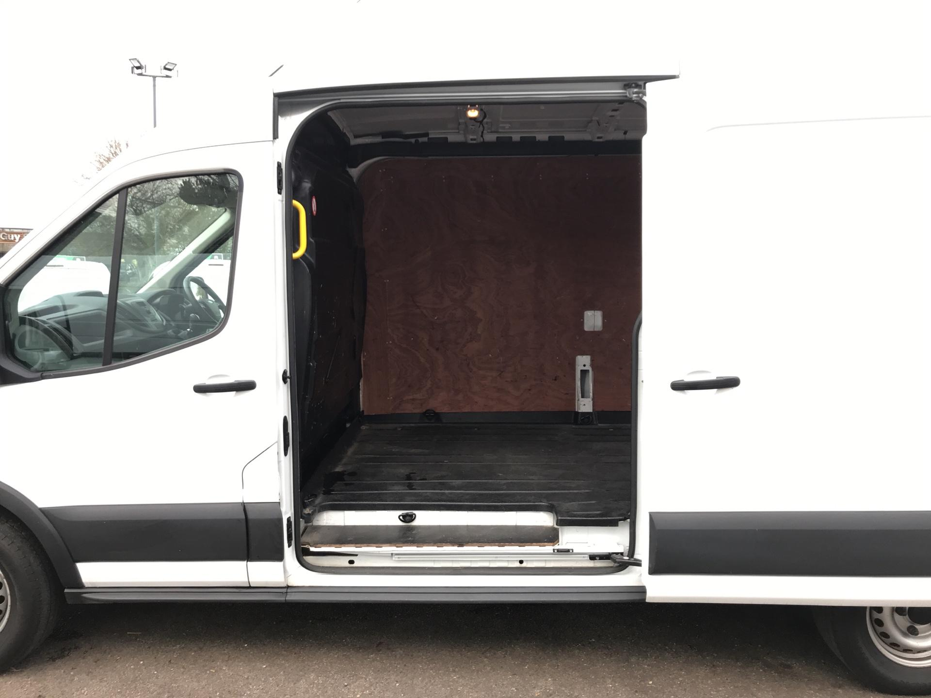 2016 Ford Transit  350 L3 H2 VAN 125PS EURO 5 (WA16KBZ) Image 17