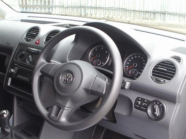 2015 Volkswagen Caddy  1.6 102PS STARTLINE EURO 5 (WFZ3968) Image 23