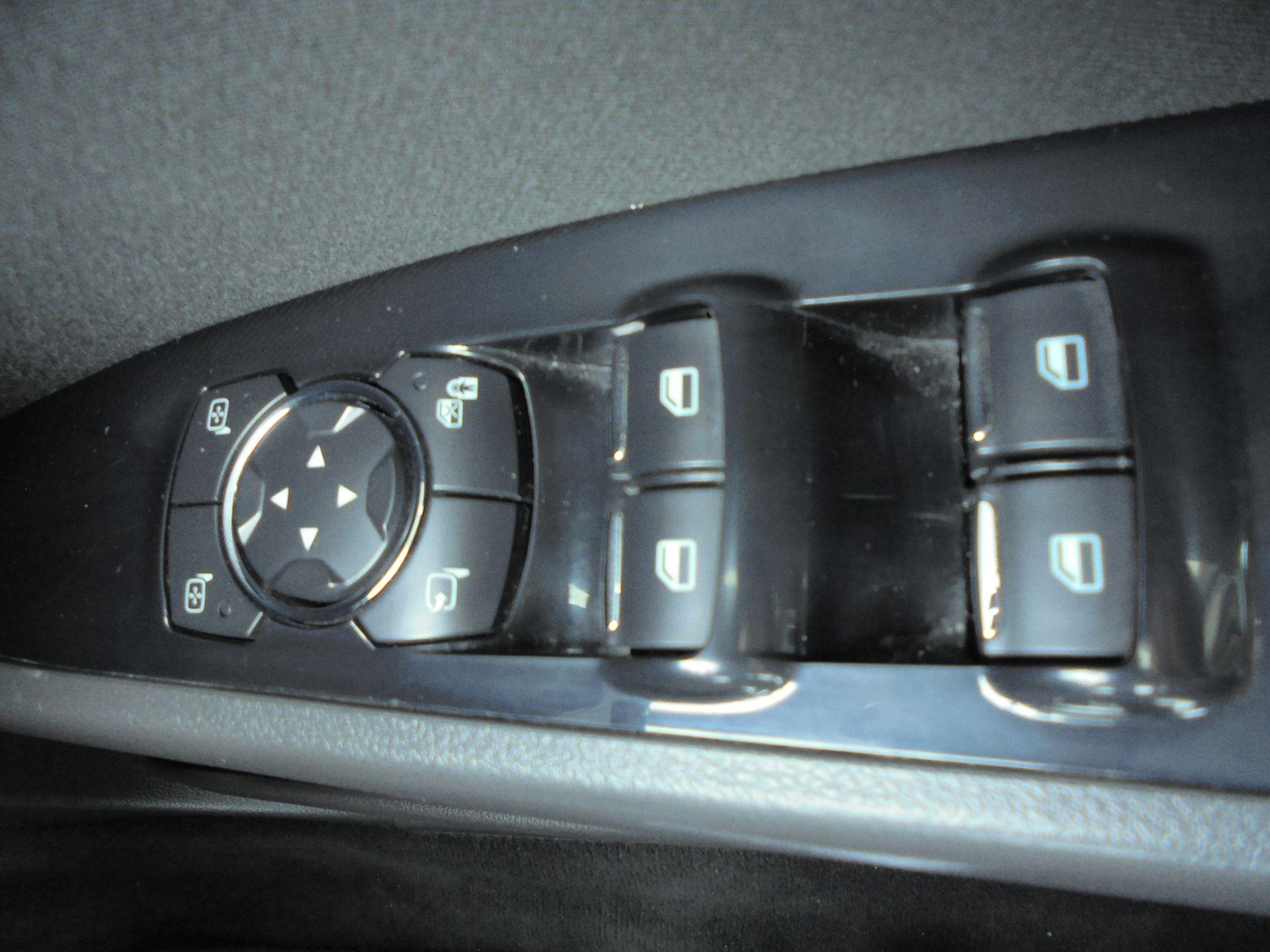2017 Ford Mondeo 2.0 Tdci Econetic Zetec 5Dr [Nav] (WM17RHO) Image 18