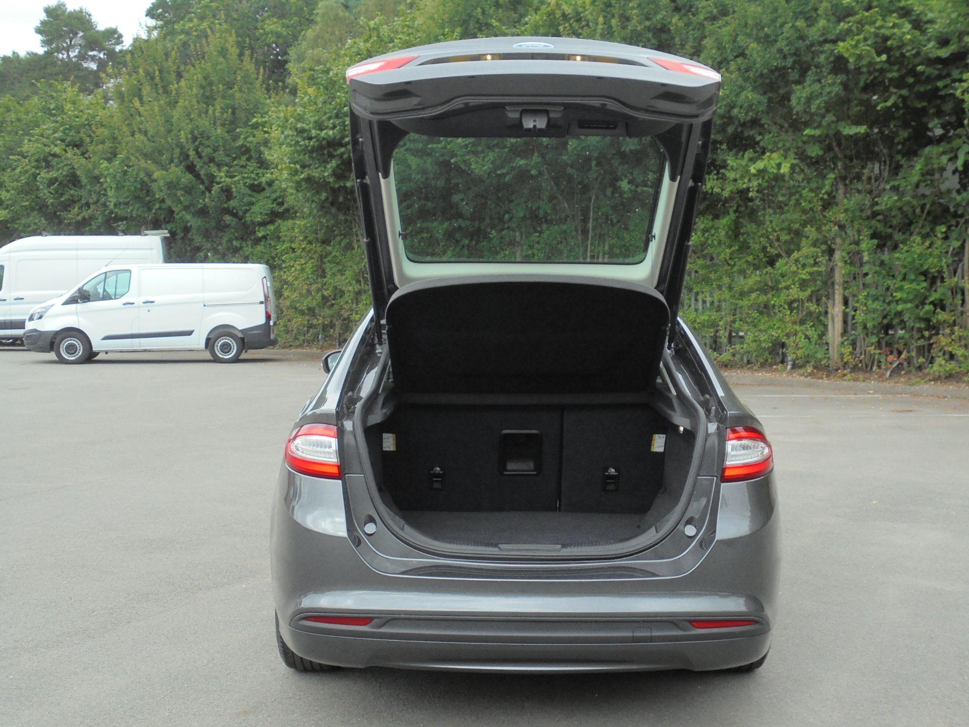 2017 Ford Mondeo 2.0 Tdci Econetic Zetec 5Dr [Nav] (WM17RHO) Image 8