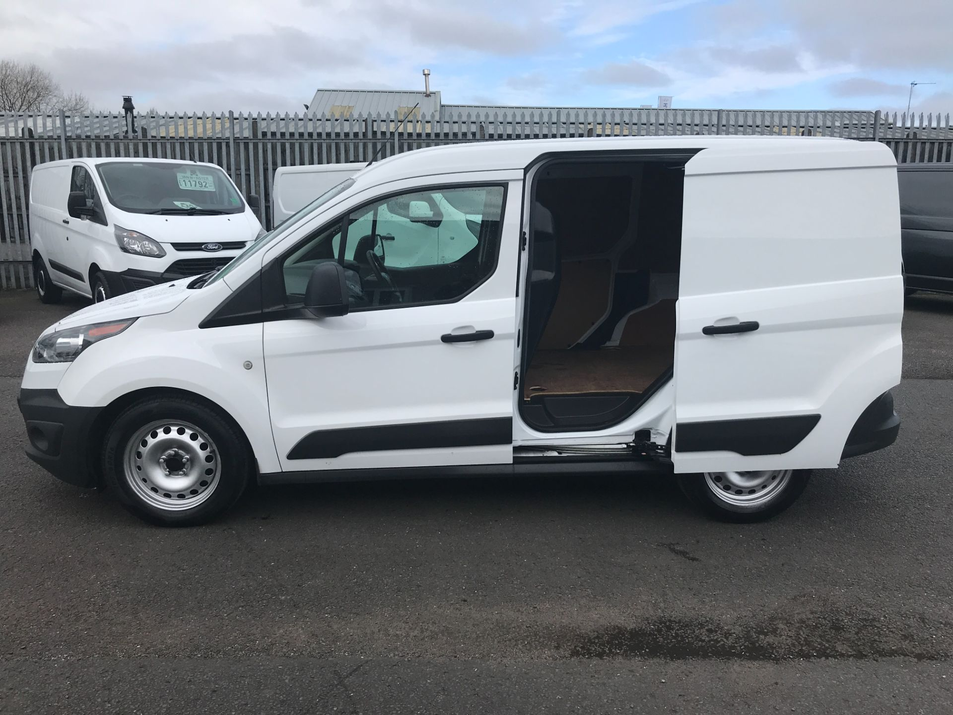 2016 Ford Transit Connect T200 L1 H1 1.5TDCI 75PS EURO 5 (WM66VRG) Image 6