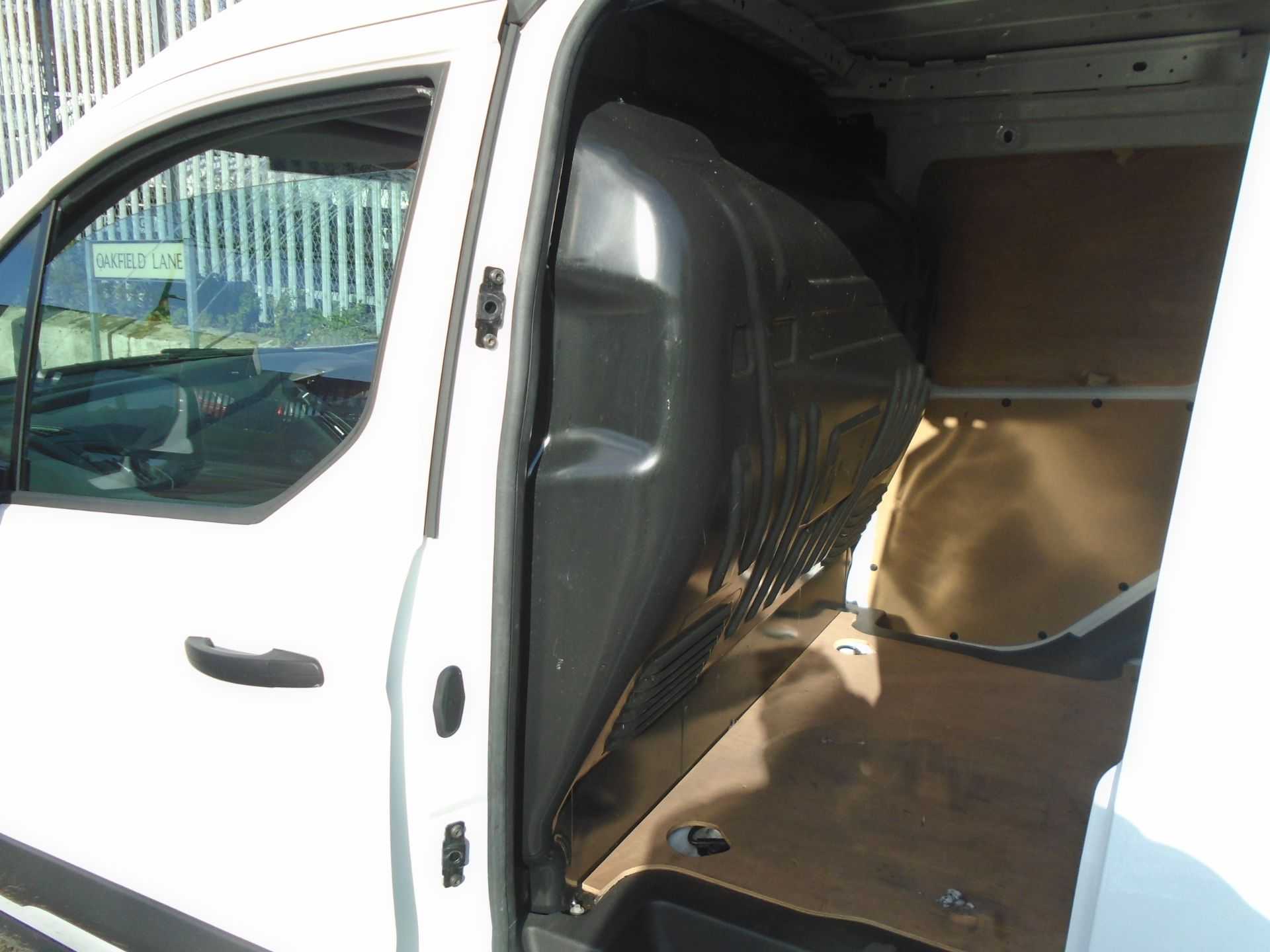 2016 Ford Transit Connect 1.5 Tdci 75Ps Van (WM66XGN) Image 6