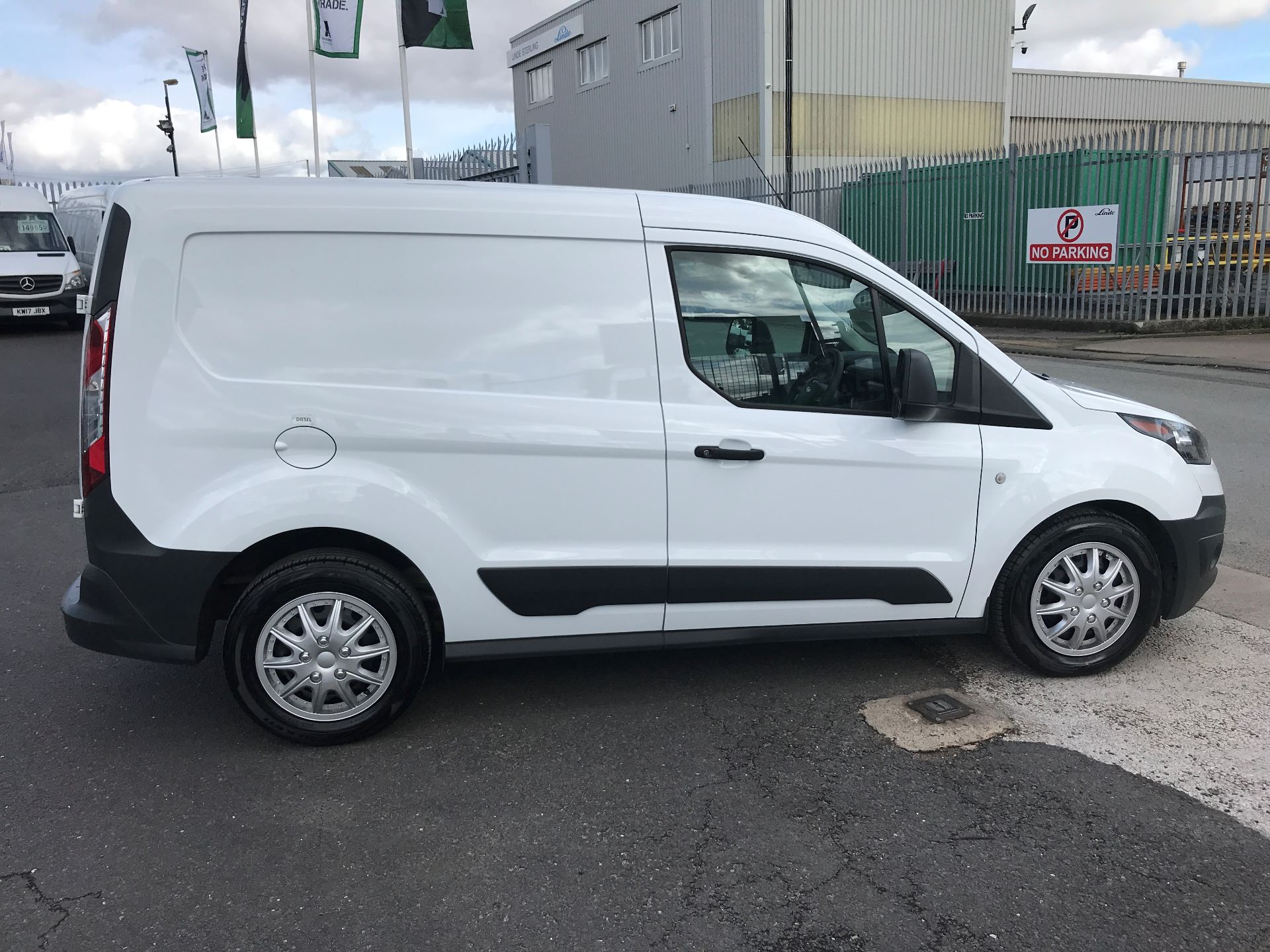2016 Ford Transit Connect T200 L1 H1 1.5TDCI 75PS  (WM66XHD) Image 10