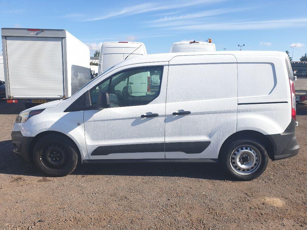 2016 Ford Transit Connect  200 L1 Diesel 1.5 TDCi 75PS Van EURO 6 (WM66XJC) Image 4
