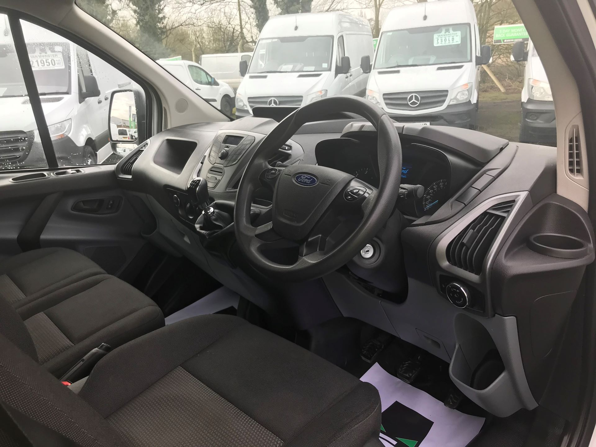 2016 Ford Transit Custom 2.0 TDCI 130PS HIGH ROOF VAN EURO 6 (WM66XJL) Image 17