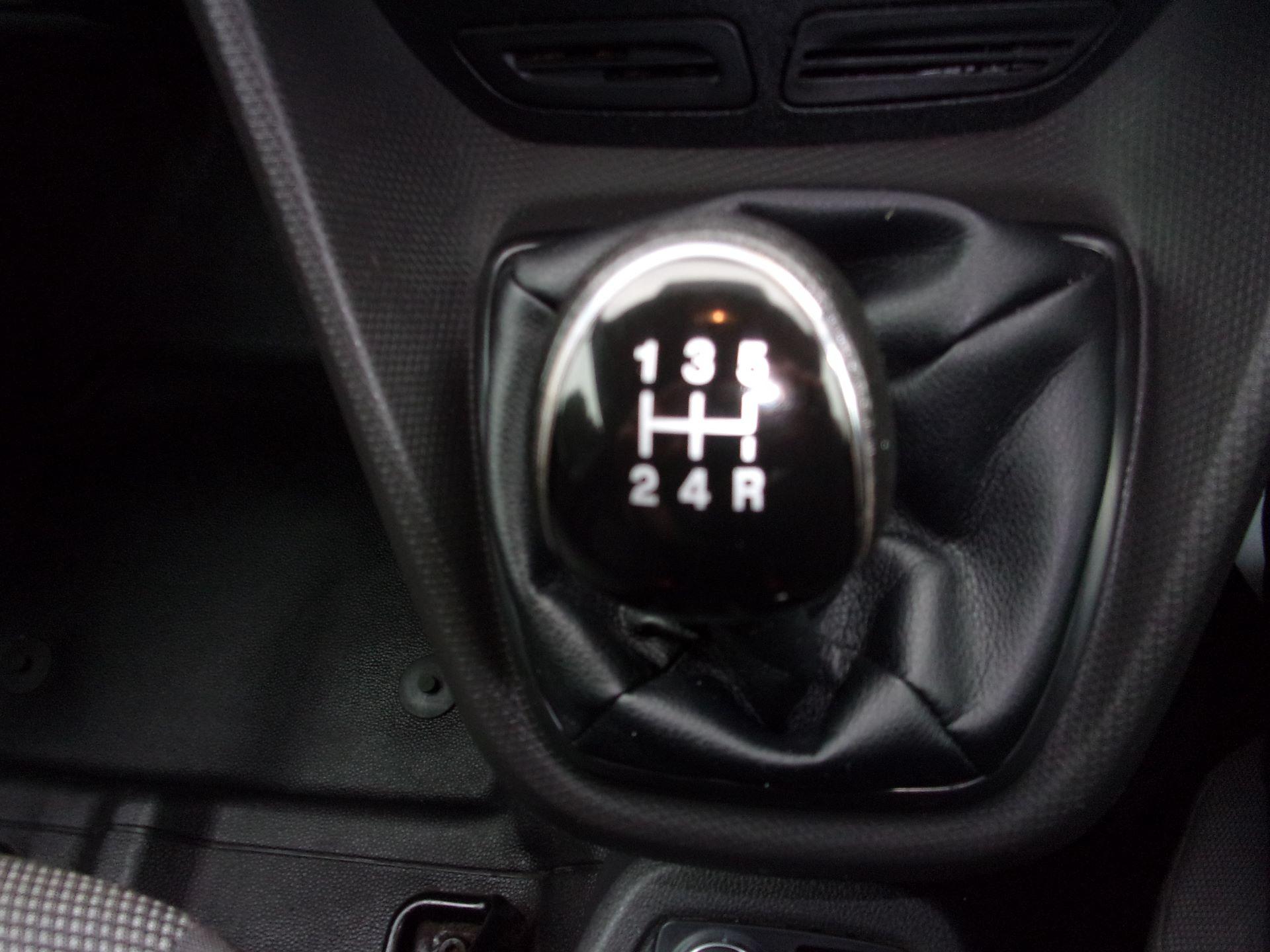2016 Ford Transit Connect 200 L1 DIESEL 1.5 TDCI 75PS VAN EURO 5 (WM66XKC) Image 12