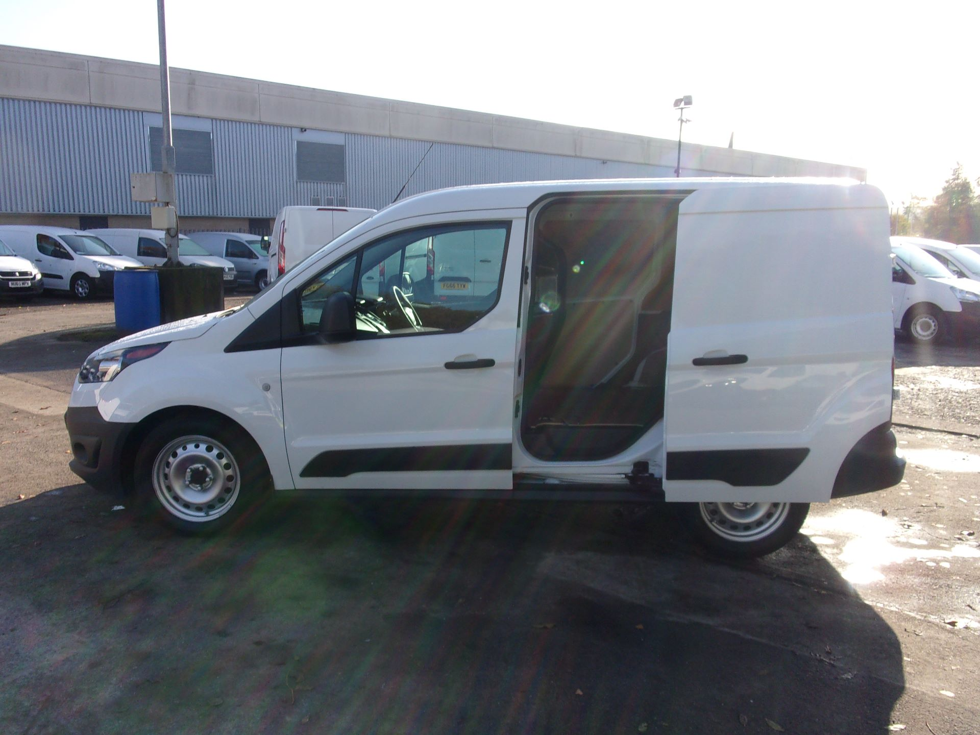 2016 Ford Transit Connect 200 L1 DIESEL 1.5 TDCI 75PS VAN (WM66YMA) Image 20