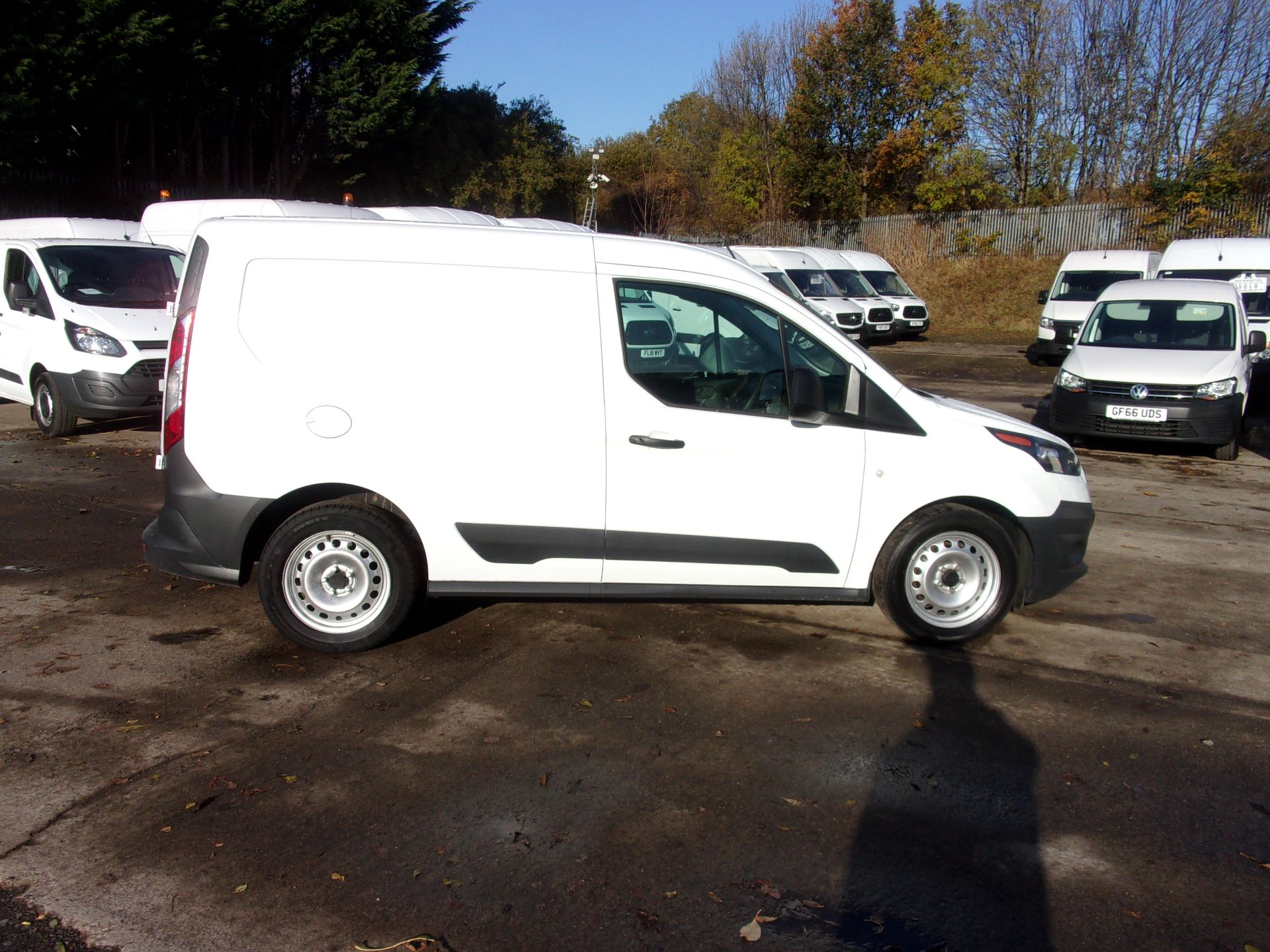 2016 Ford Transit Connect 200 L1 DIESEL 1.5 TDCI 75PS VAN (WM66YMA) Image 8