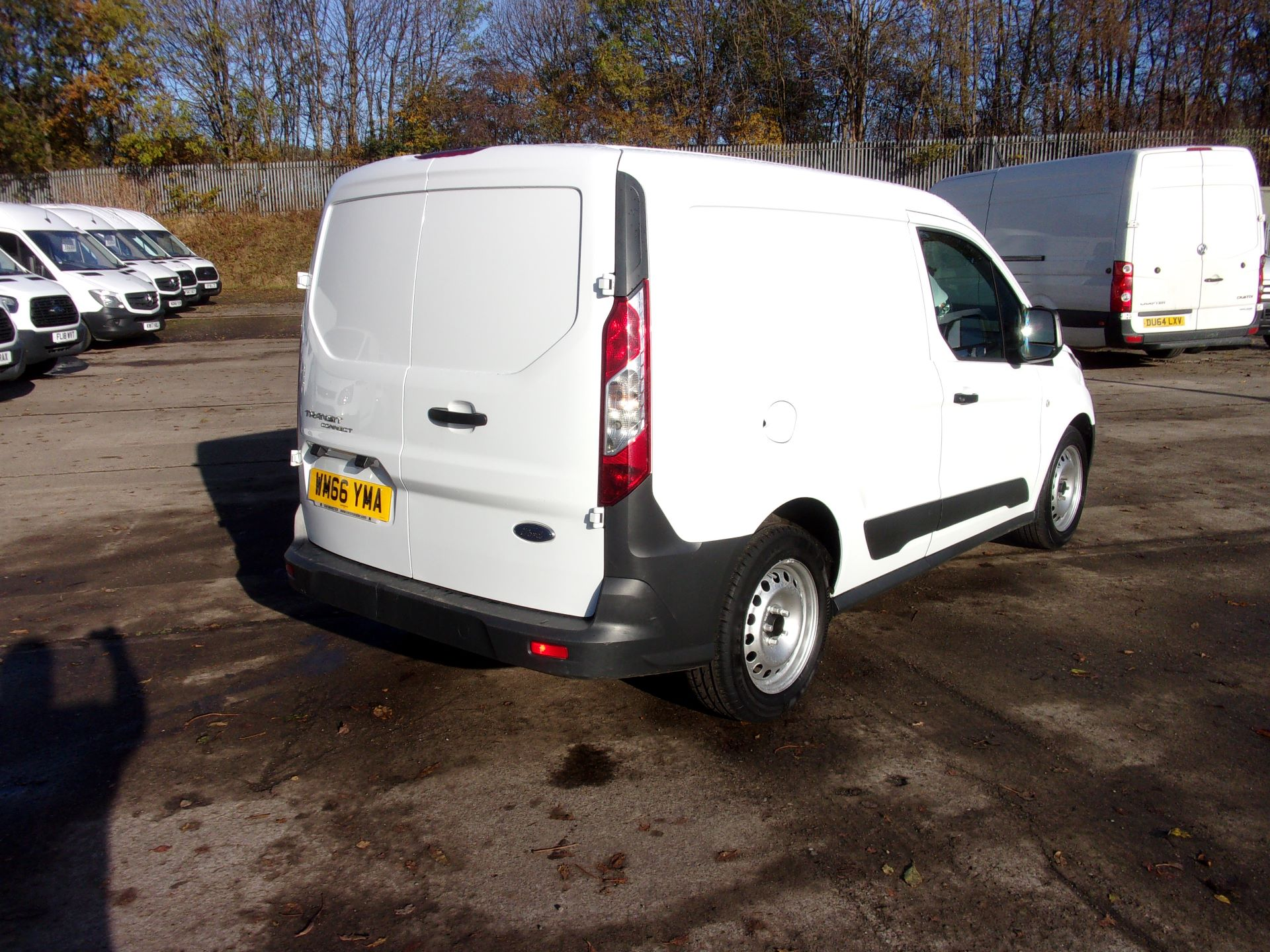 2016 Ford Transit Connect 200 L1 DIESEL 1.5 TDCI 75PS VAN (WM66YMA) Image 9