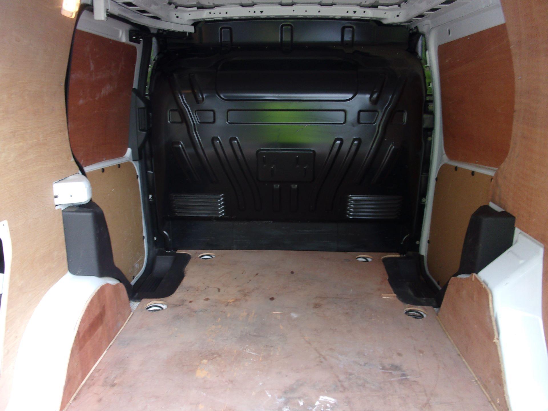 2016 Ford Transit Connect 200 L1 DIESEL 1.5 TDCI 75PS VAN (WM66ZFF) Image 18