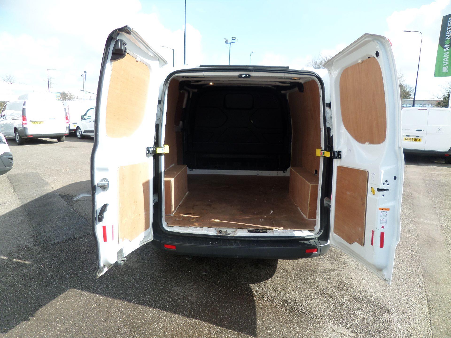2016 Ford Transit Custom 2.0 Tdci 105Ps Low Roof Van Euro 6 (WM66ZHF) Image 4