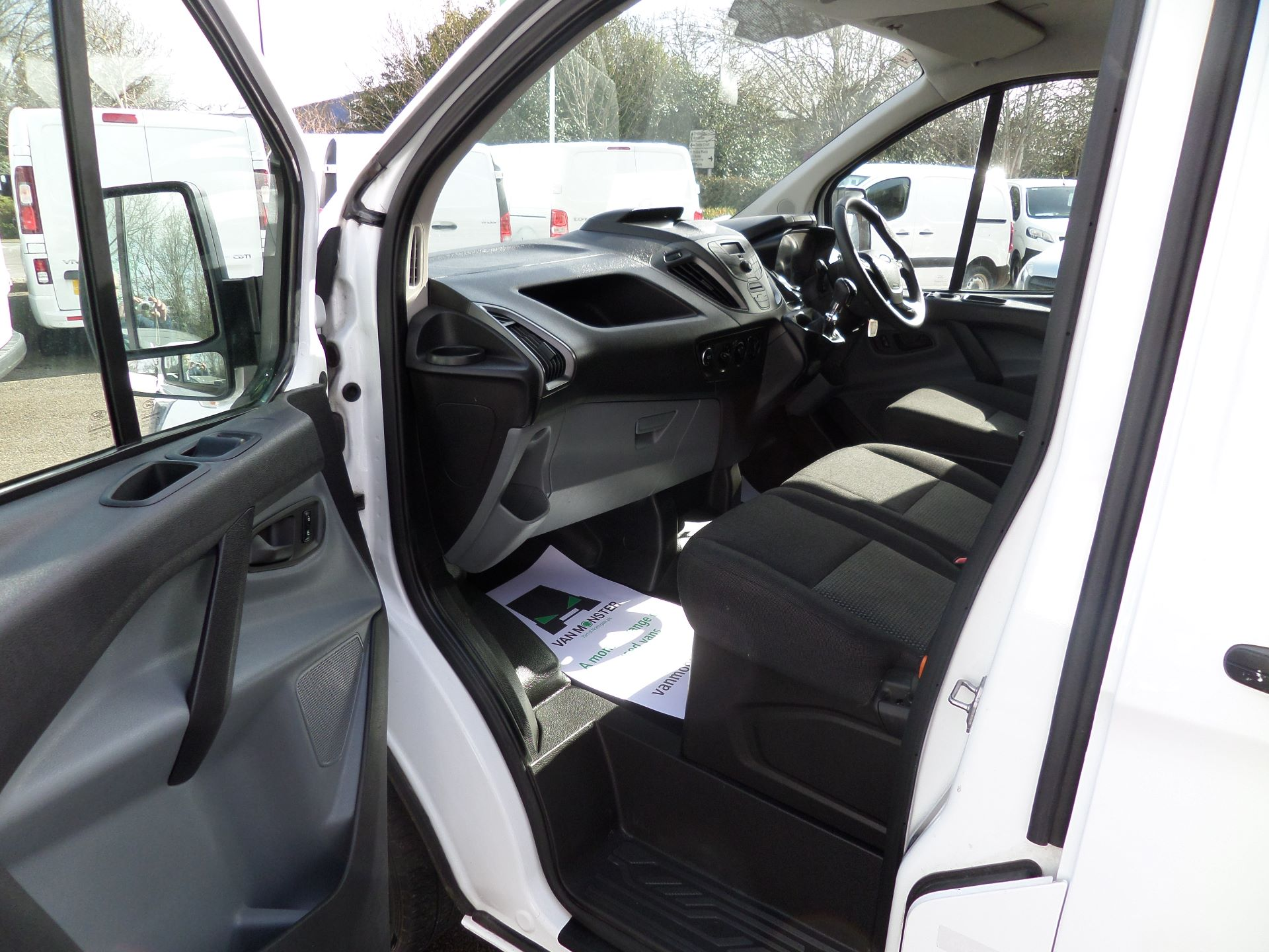2016 Ford Transit Custom 2.0 Tdci 105Ps Low Roof Van Euro 6 (WM66ZHF) Image 8