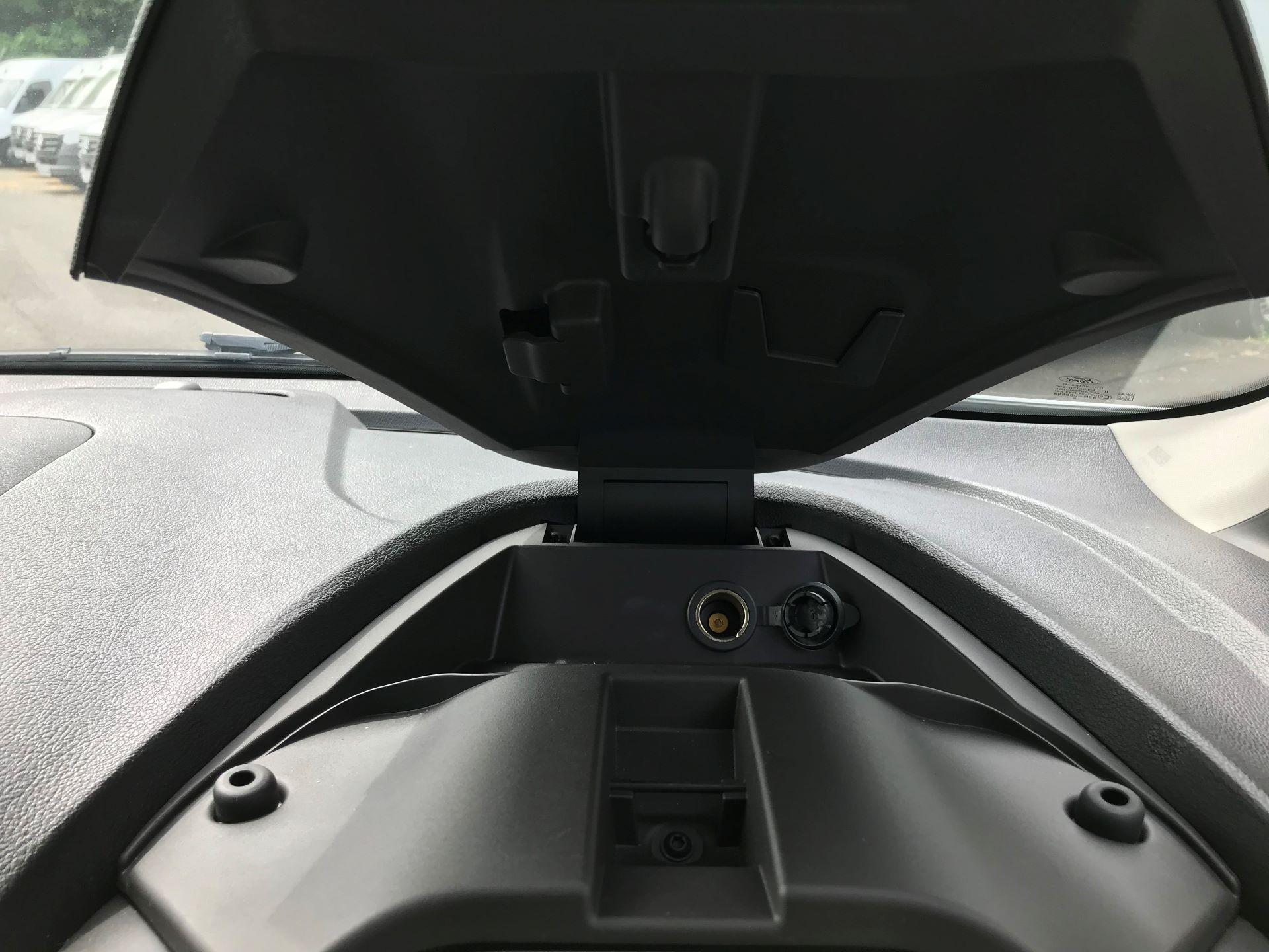 2016 Ford Transit Connect  200 L1 DIESEL 1.6 TDCI 100PS VAN EURO 6 (WM66ZHU) Image 20