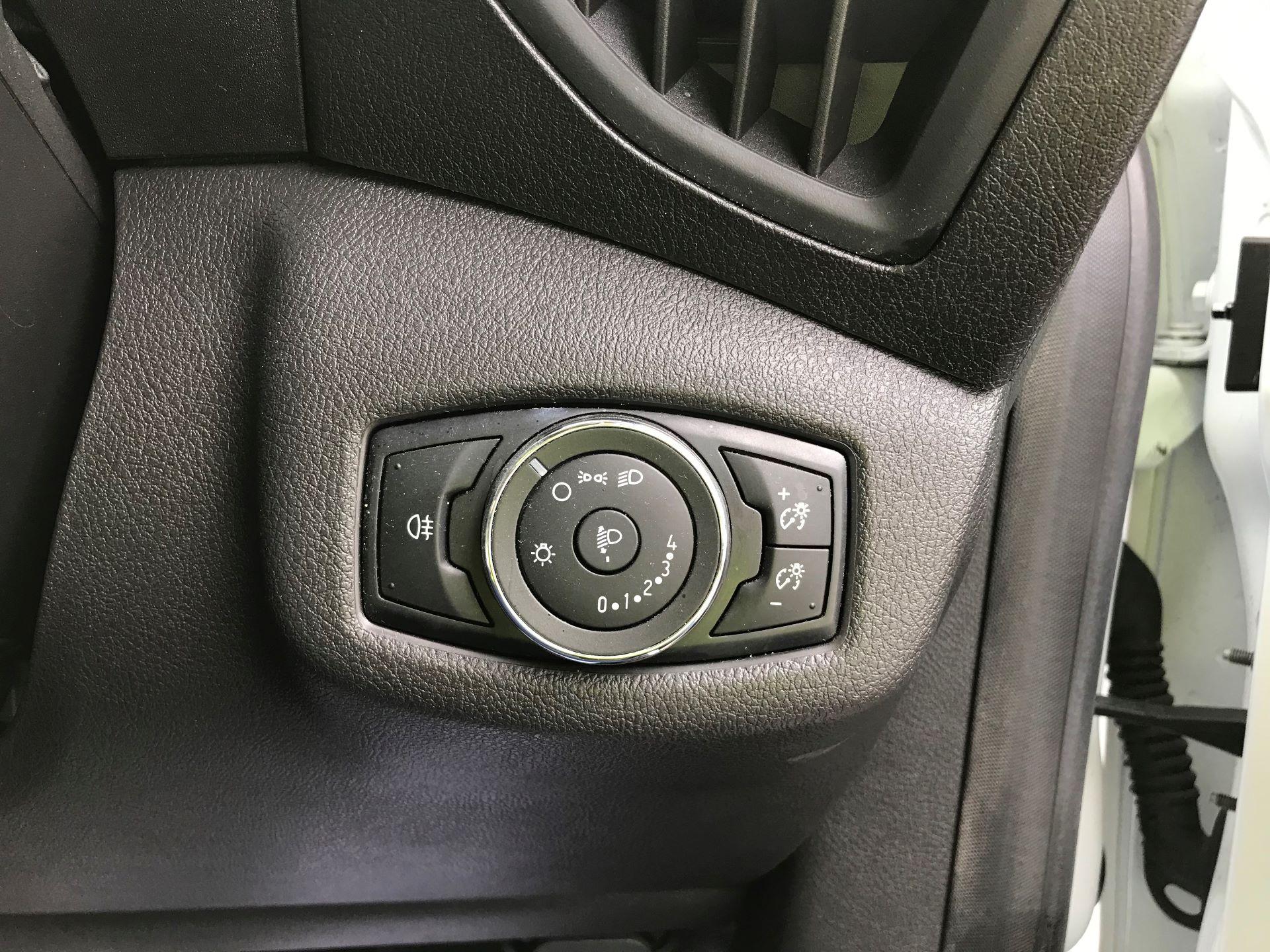 2016 Ford Transit Connect  200 L1 DIESEL 1.6 TDCI 100PS VAN EURO 6 (WM66ZHU) Image 26
