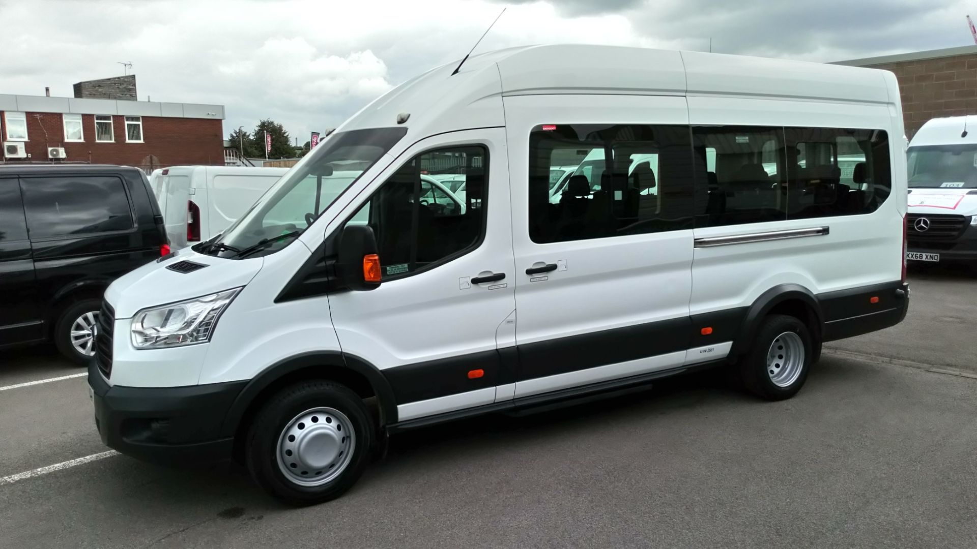 2015 Ford Transit 2.2 Tdci 125Ps H3 17 Seater (WN65MOV) Image 6