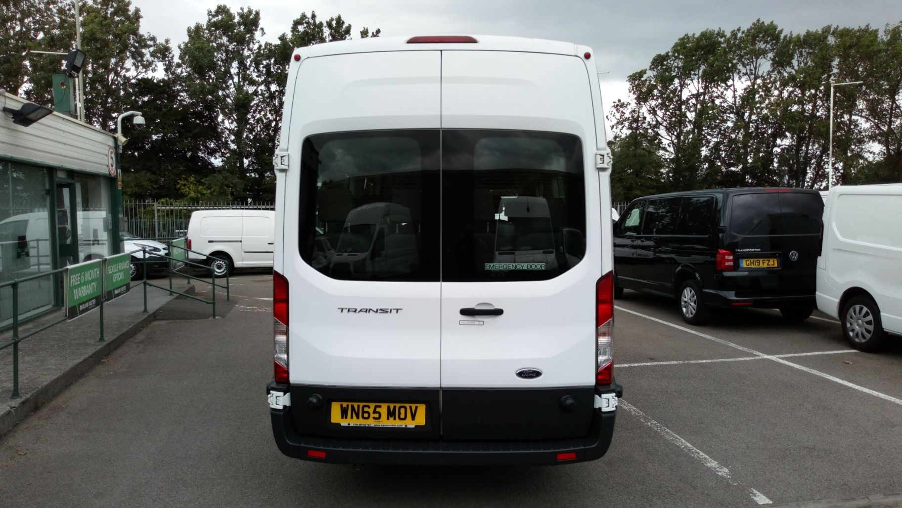 2015 Ford Transit 2.2 Tdci 125Ps H3 17 Seater (WN65MOV) Image 4