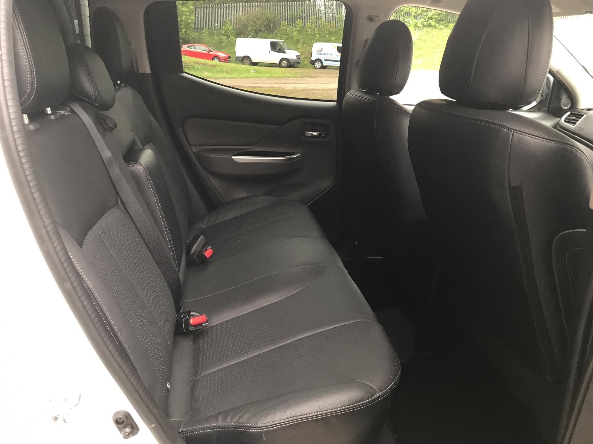 2016 Mitsubishi L200 DOUBLE CAB DI-D 178 WARRIOR 4WD AUTO EURO 5 (WN66WWD) Image 15