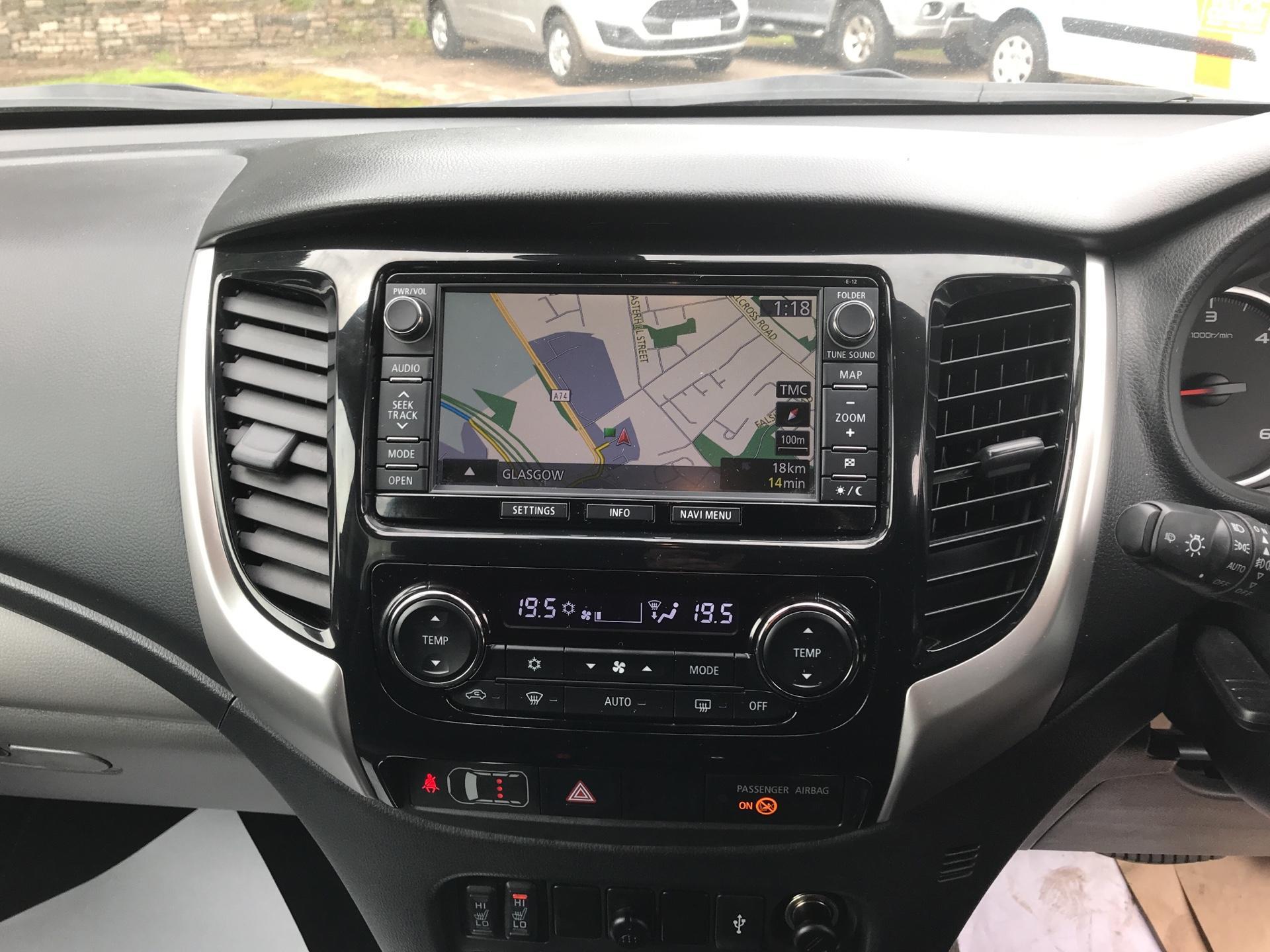 2016 Mitsubishi L200 DOUBLE CAB DI-D 178 WARRIOR 4WD AUTO EURO 5 (WN66WWD) Image 10