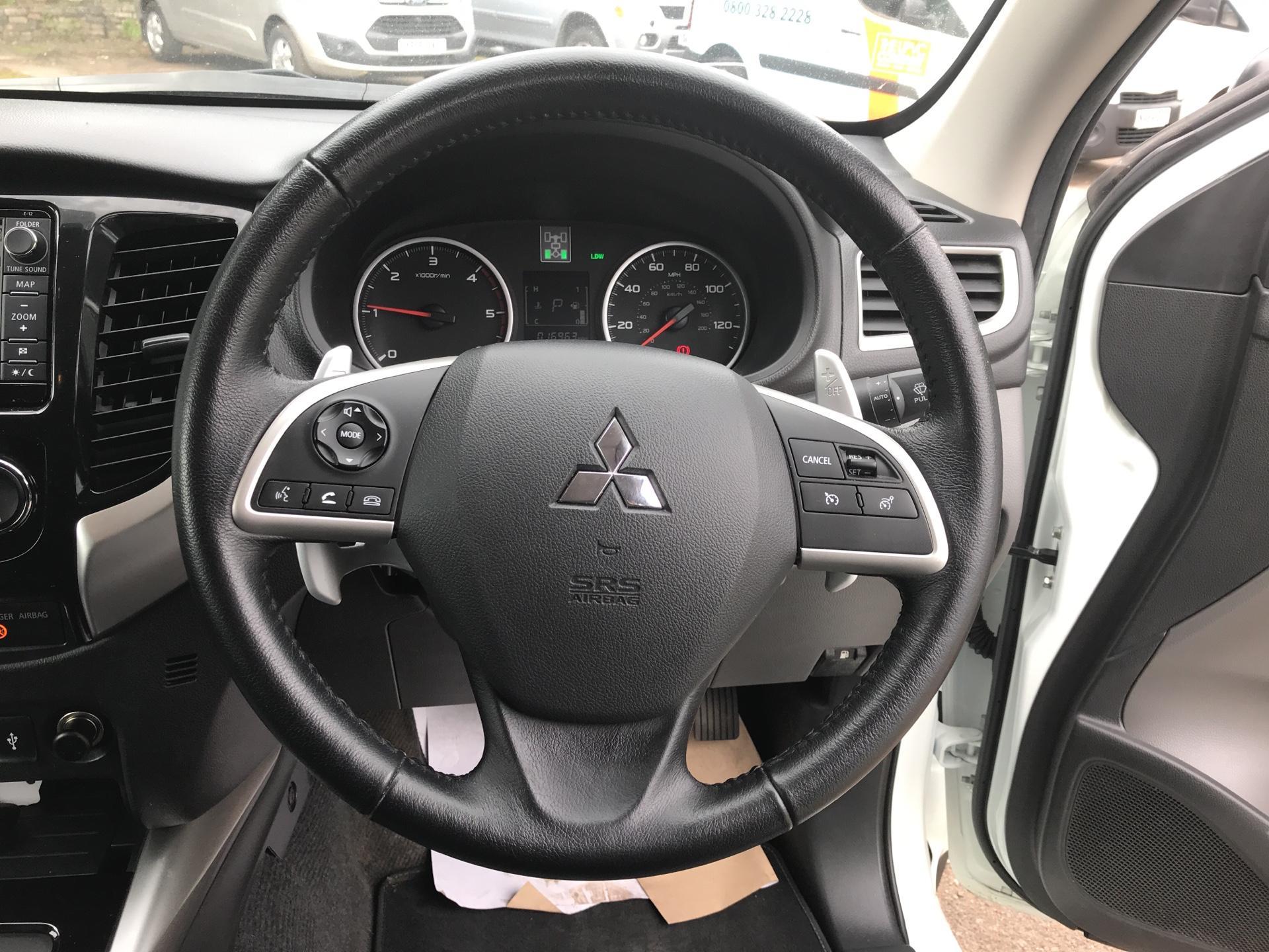 2016 Mitsubishi L200 DOUBLE CAB DI-D 178 WARRIOR 4WD AUTO EURO 5 (WN66WWD) Image 12