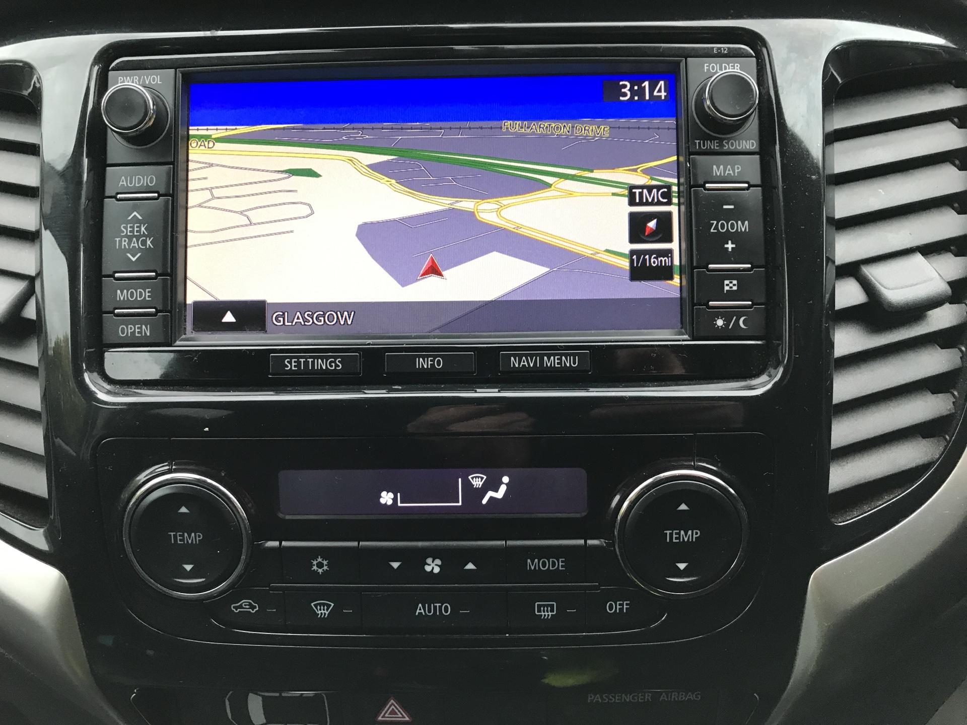 2016 Mitsubishi L200 DOUBLE CAB DI-D 178PS WARRIOR 4WD EURO 5 (WN66WXS) Image 10