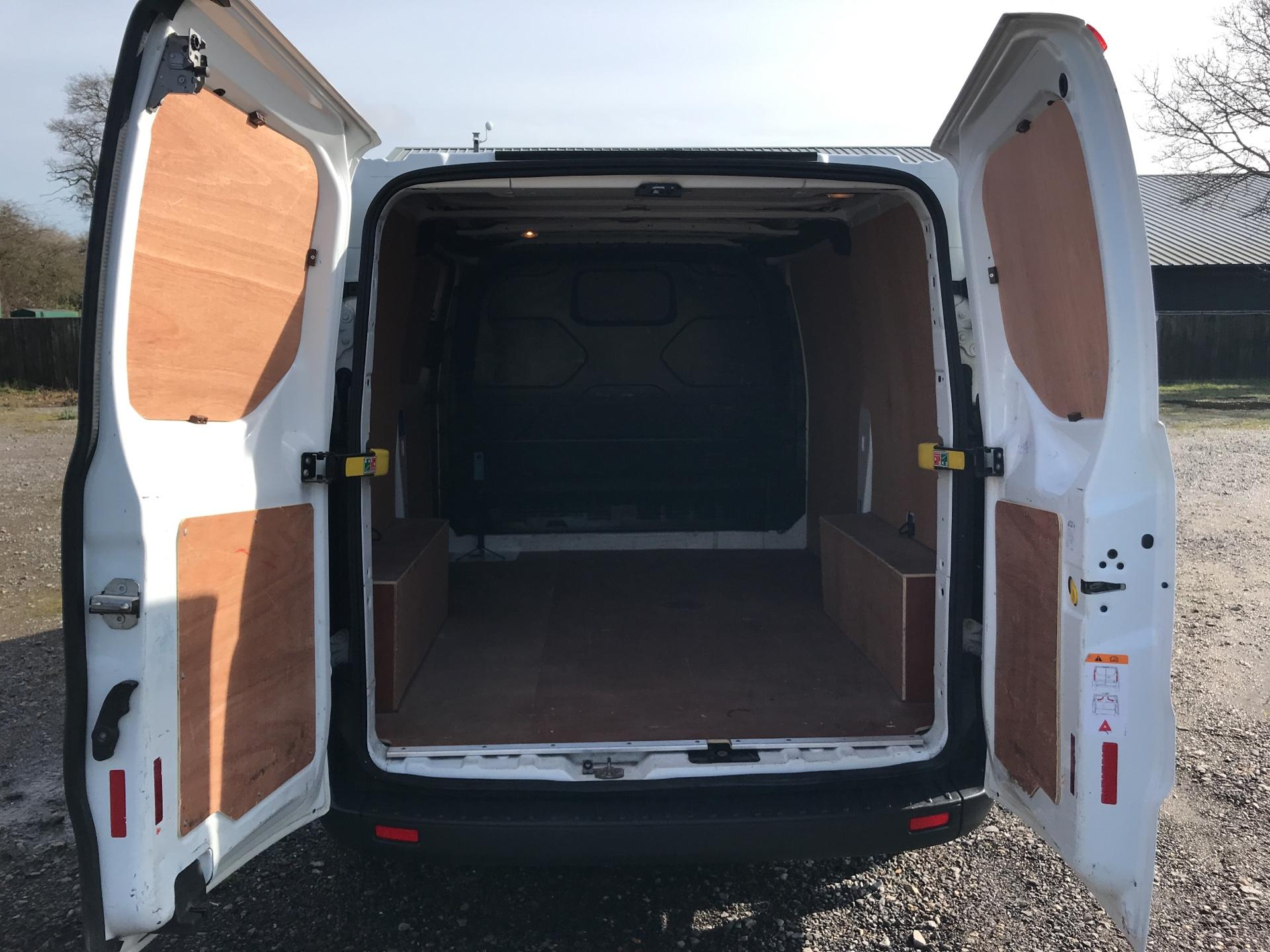 2015 Ford Transit Custom 290 L1 DIESEL FWD 2.2 TDCI 100PS LOW ROOF VAN EURO 5 (WO15NXV) Thumbnail 16