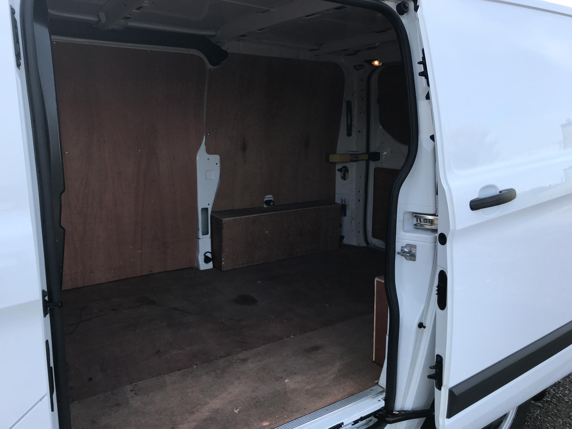 2015 Ford Transit Custom 290 L1 DIESEL FWD 2.2 TDCI 100PS LOW ROOF VAN EURO 5 (WO15NXV) Thumbnail 17